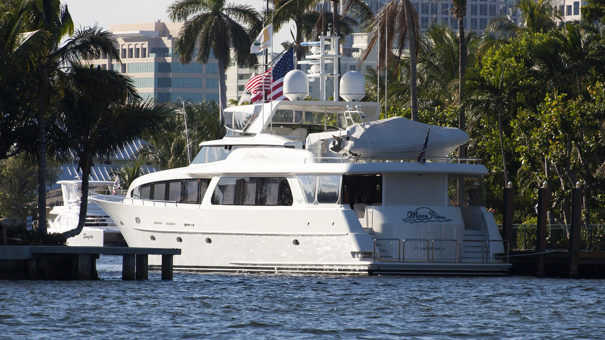 moon-river=motor-yacht-west-bay-sonship-103-2001-31m-rear-profile
