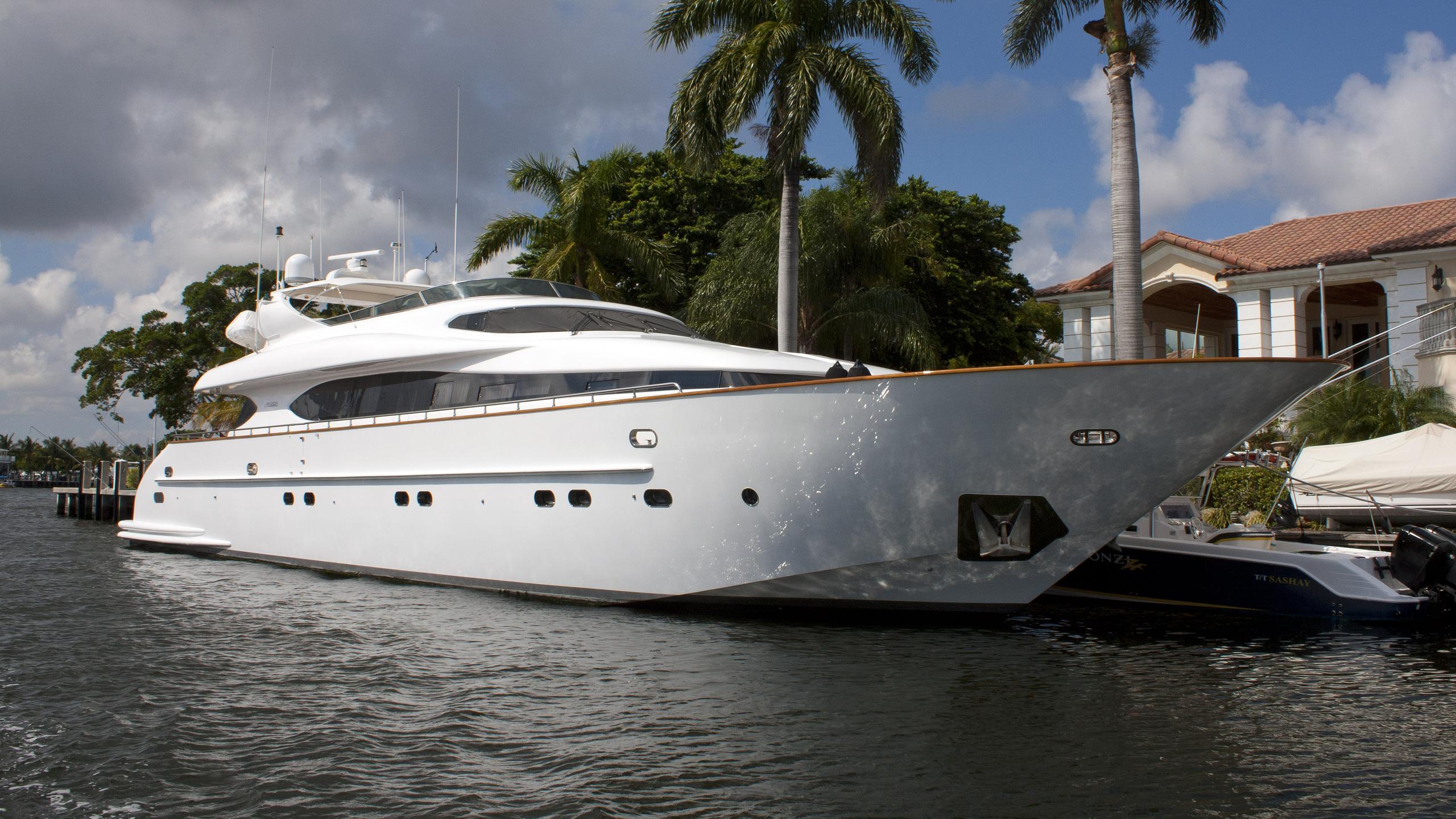 sashay-motor-yacht-maiora-31dp-1998-31m-front-profile