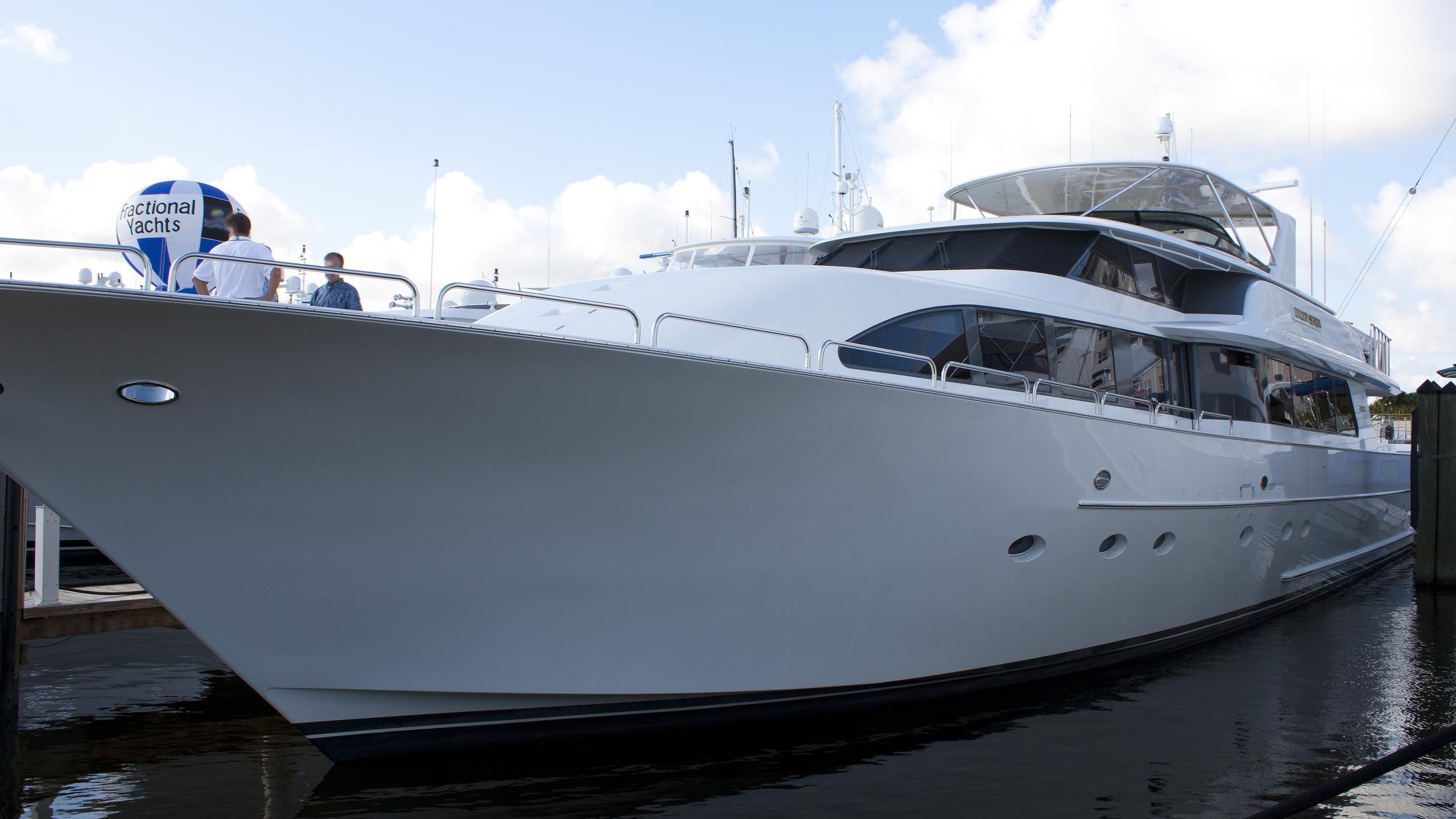 wendy-i-joans-ark-motor-yacht-westport-2001-34m-front-profile