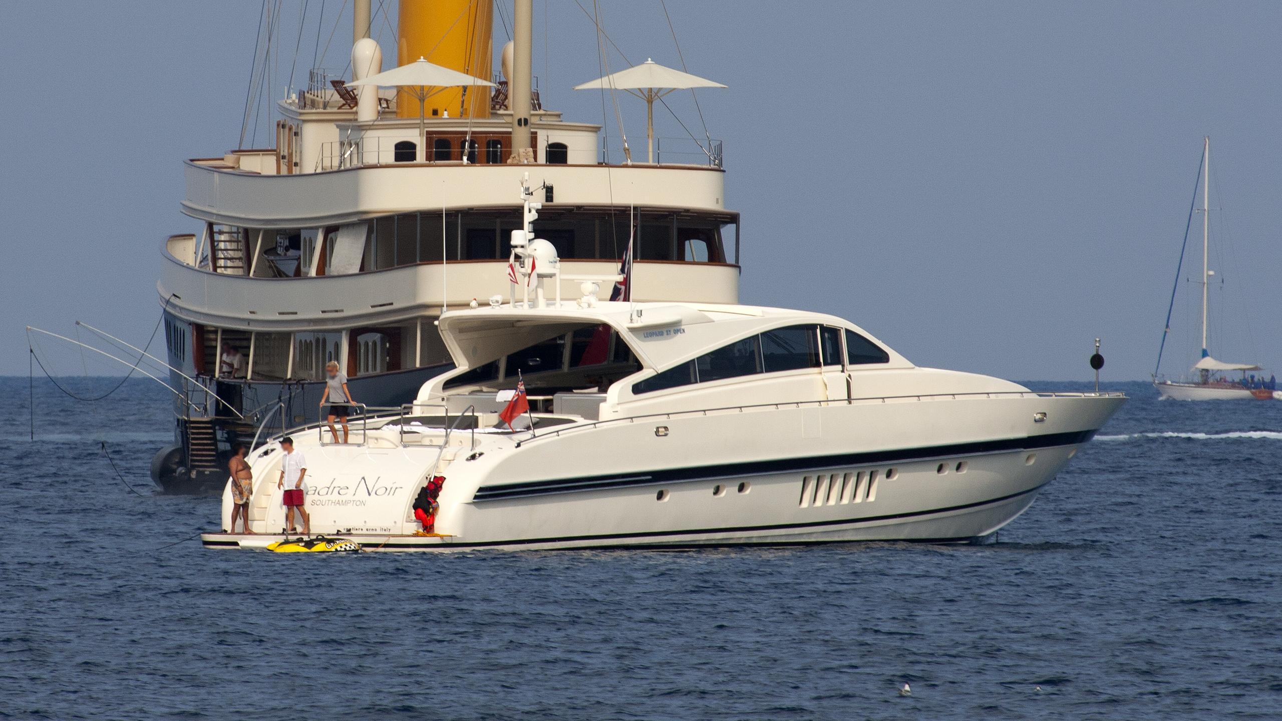 cadre-noir-motor-yacht-arno-leopard-27-sport-2001-27m-profile