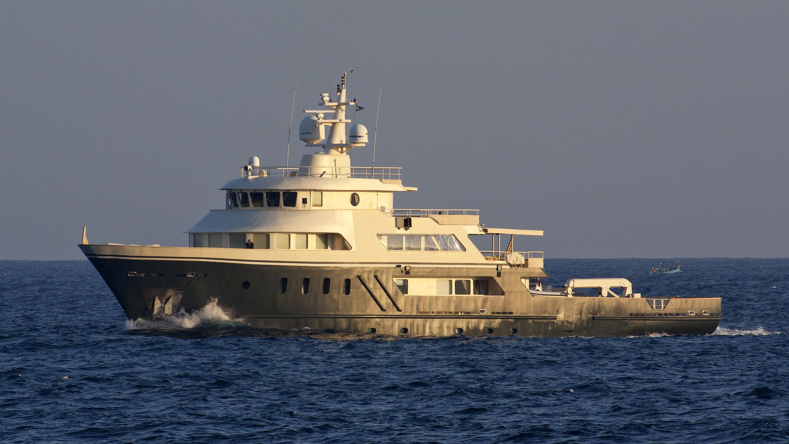 etra explorer yacht penglai bohai lusben 2006 45m cruising before refit