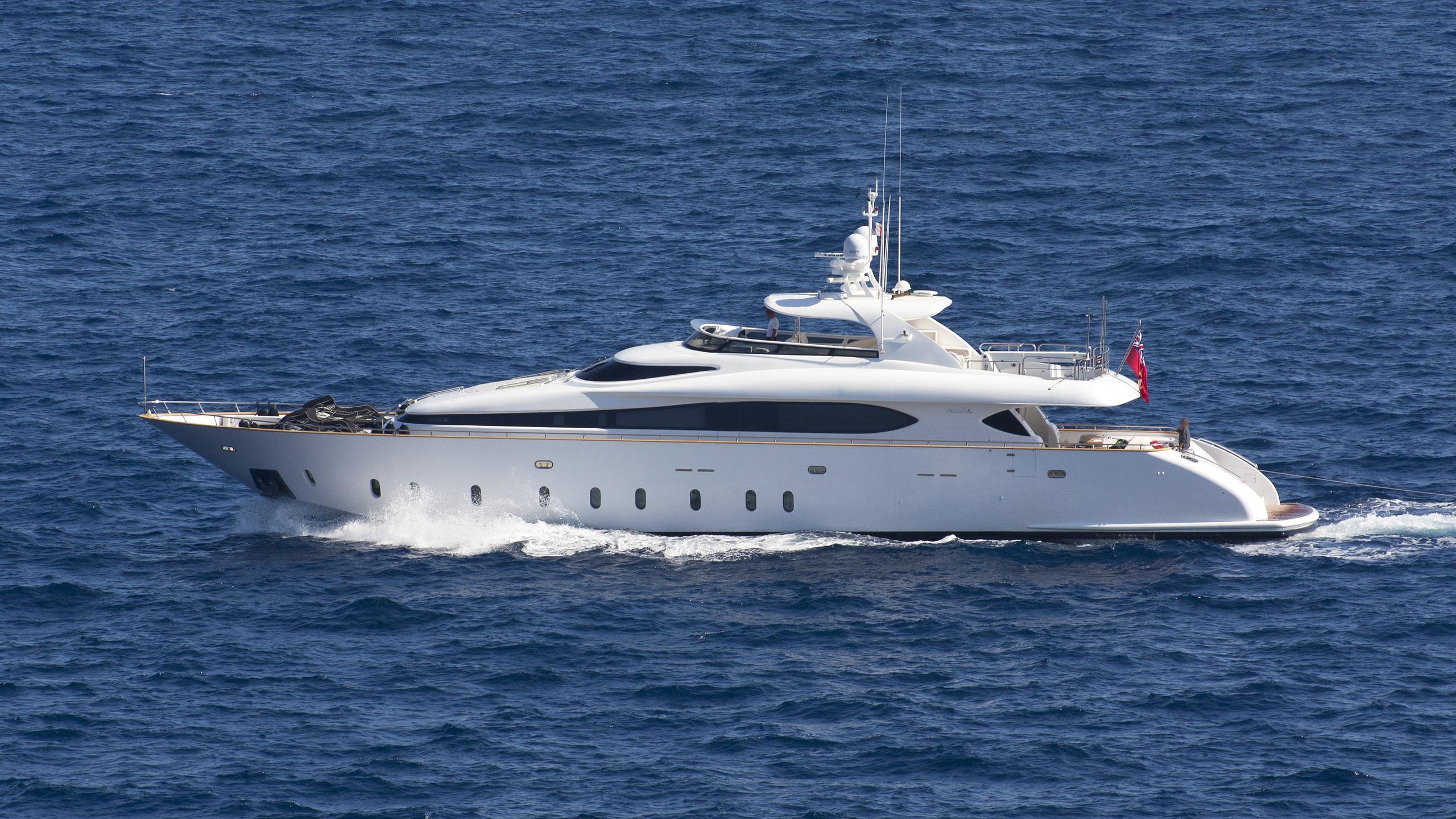 tuscan-sun-motor-yacht-maiora-32dp-2008-32m-cruising