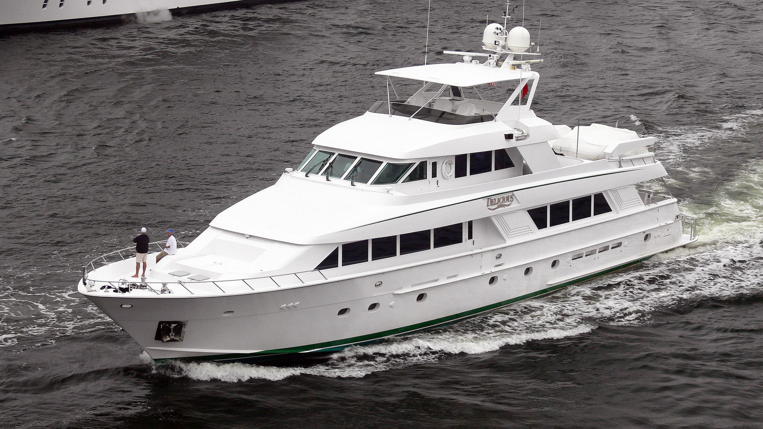 delicious-motor-yacht-hatteras-112-1994-36m-cruising