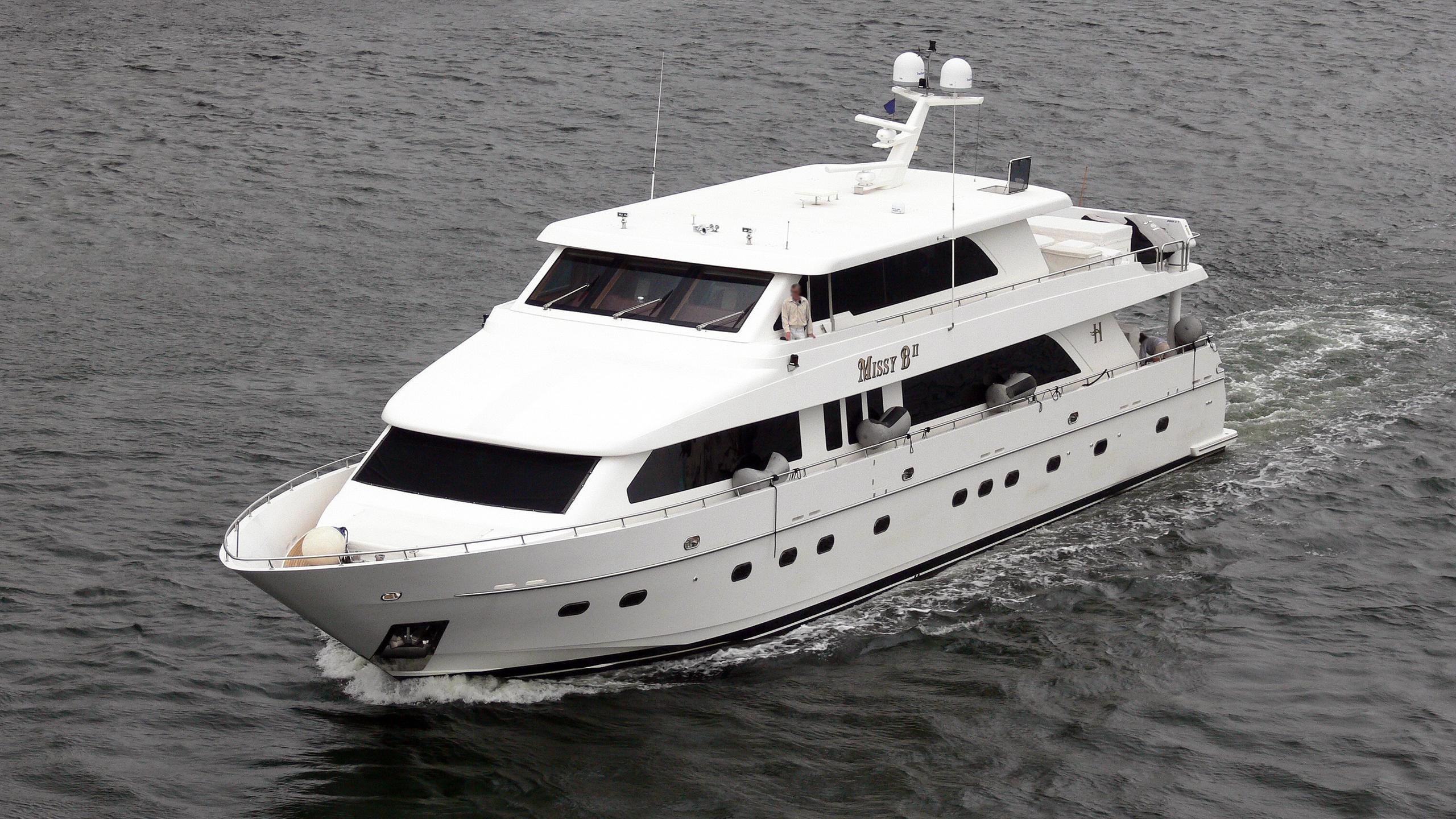 missy-b-ii-motor-yacht-hargrave-115-2004-35m-before-refit