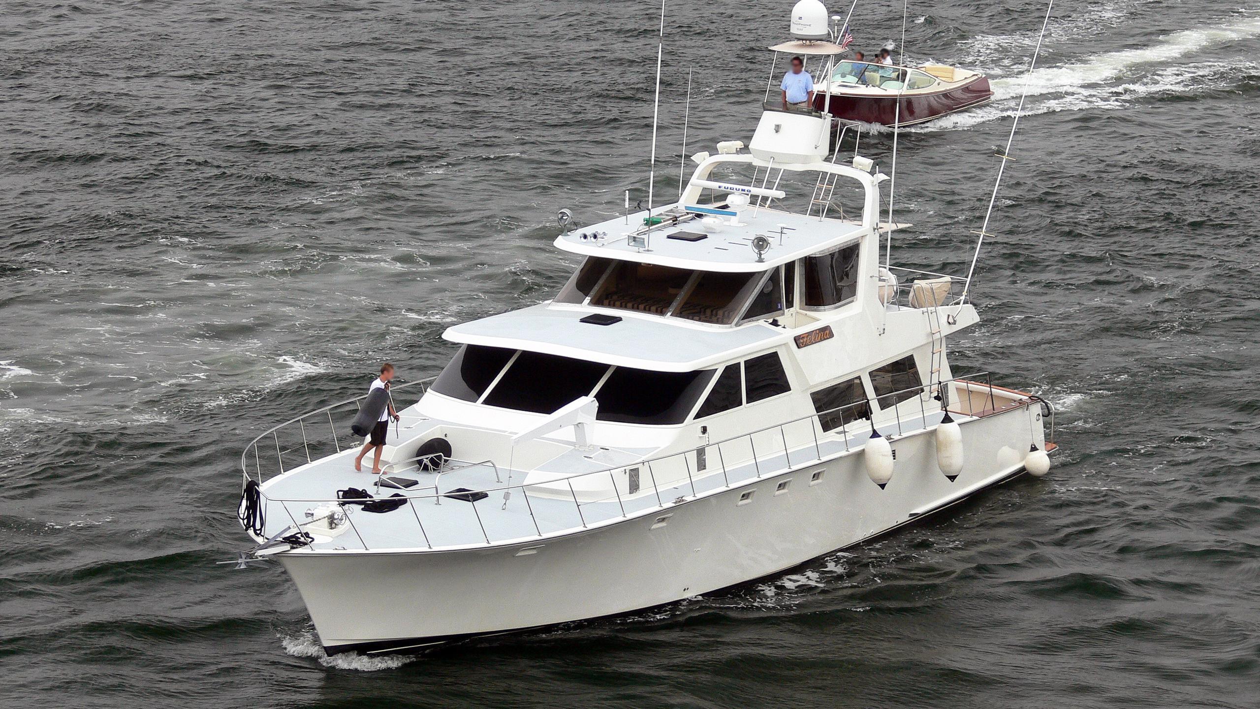 felina-motor-yacht-aquilar-1983-26m-cruising