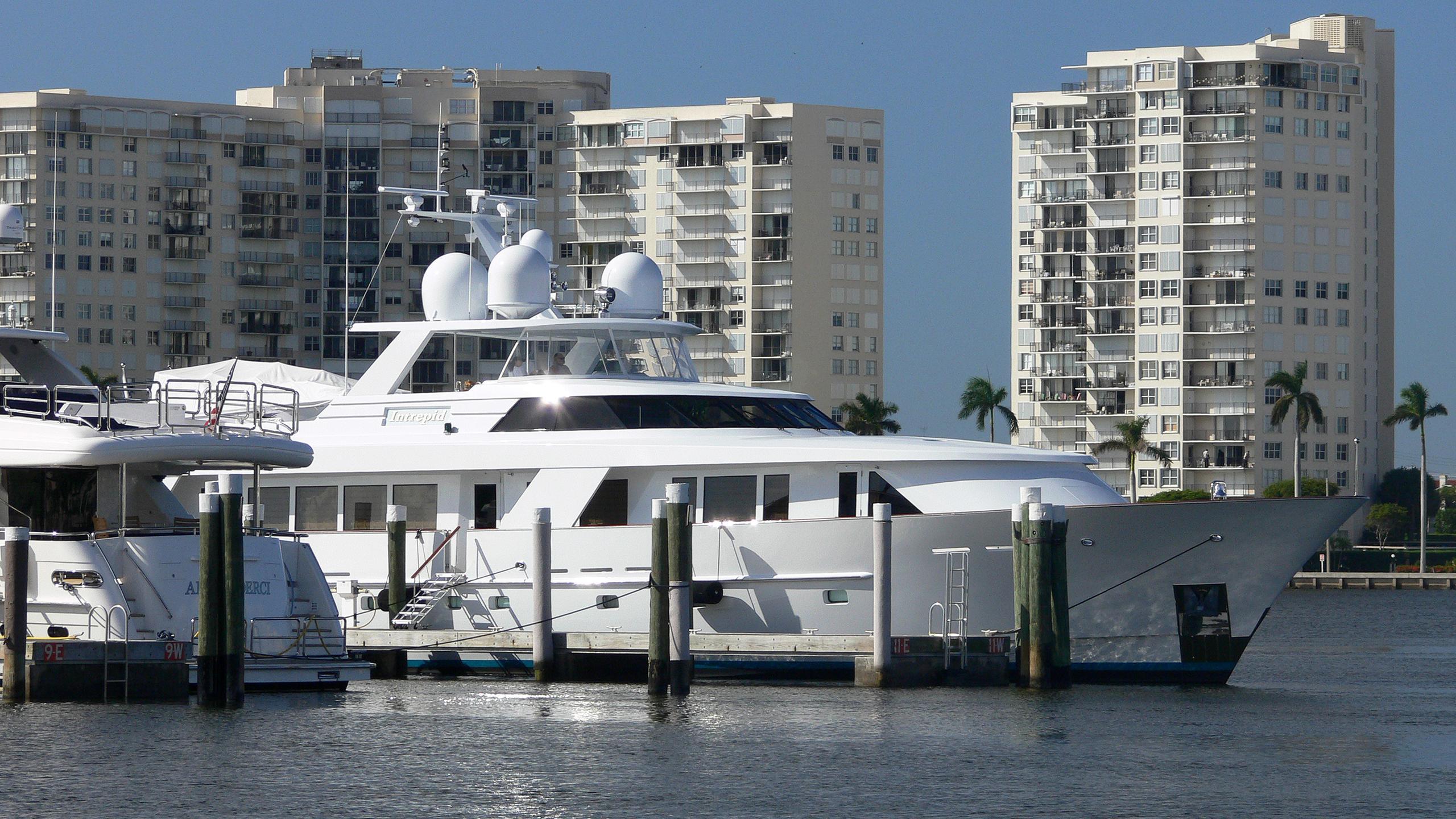 intrepid-motor-yacht-delta-110-1994-34m-berth