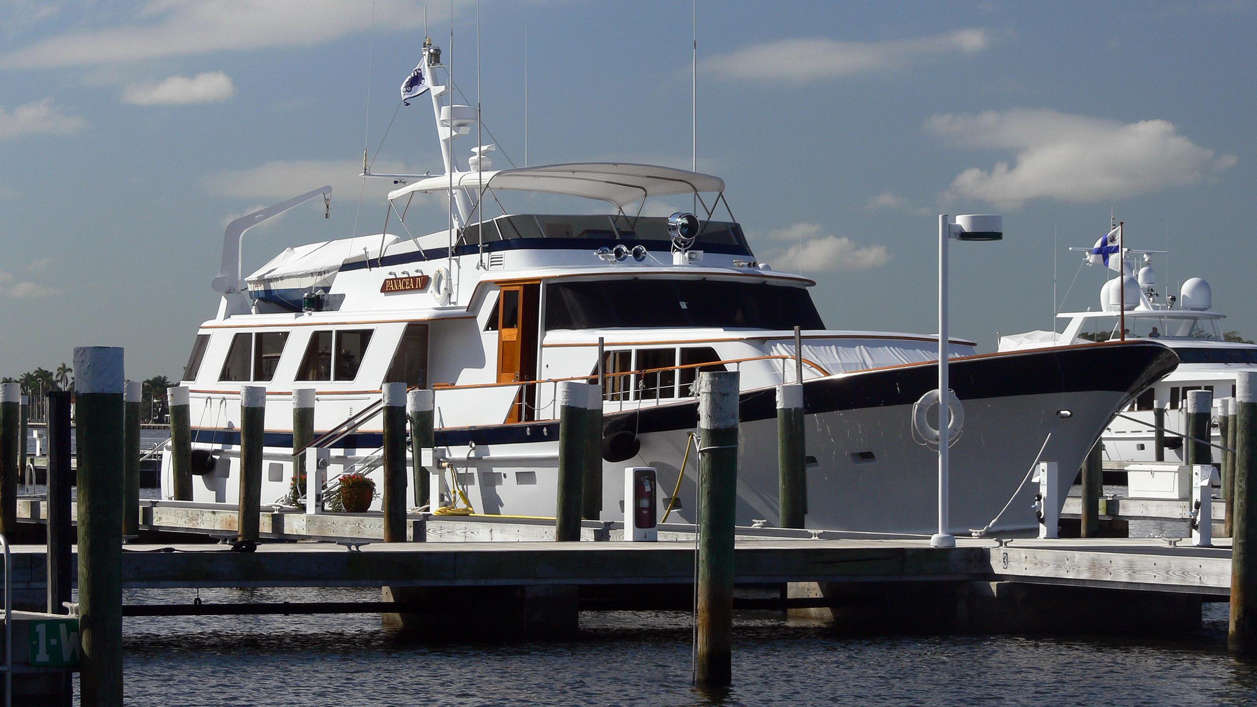 panacea-iv-motor-yacht-burger-boat-1984-26m-berth
