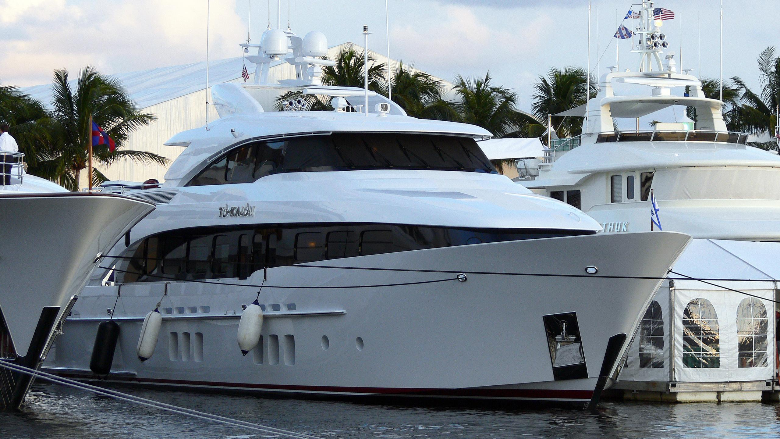 to-kalon-motor-yacht-burger-boat-2008-31m-front-profile