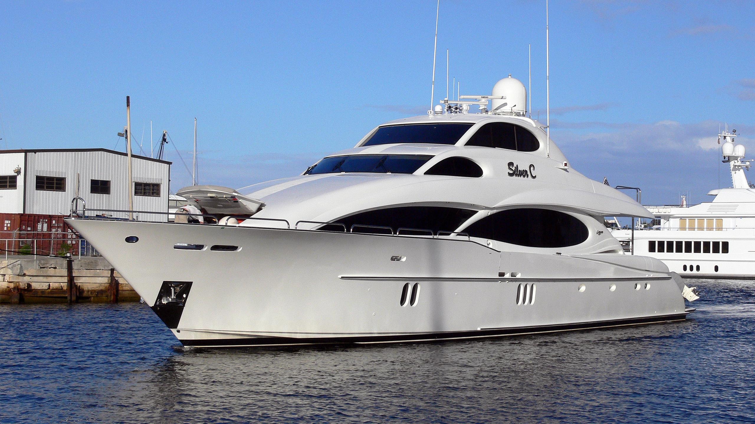 the-beeliever-halftime-motor-yacht-lazzara-2005-33m-profile