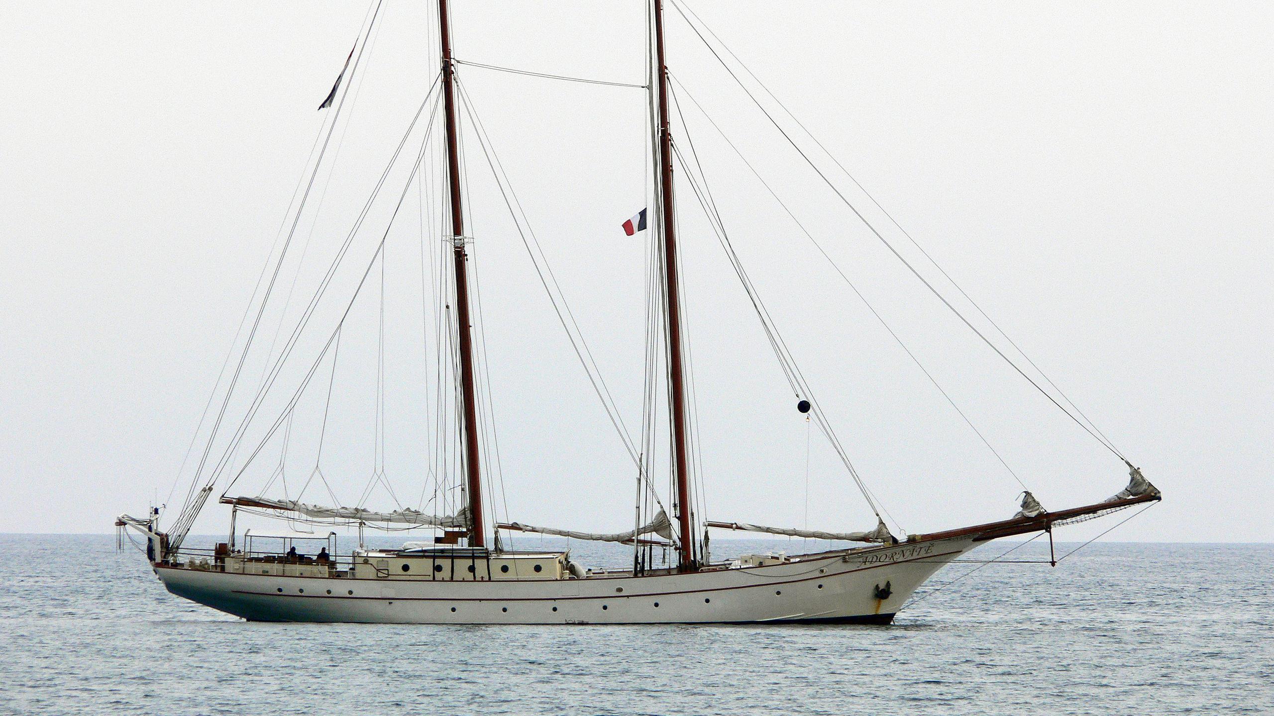 adornate-sailing-yacht-custom-1961-44m-profile