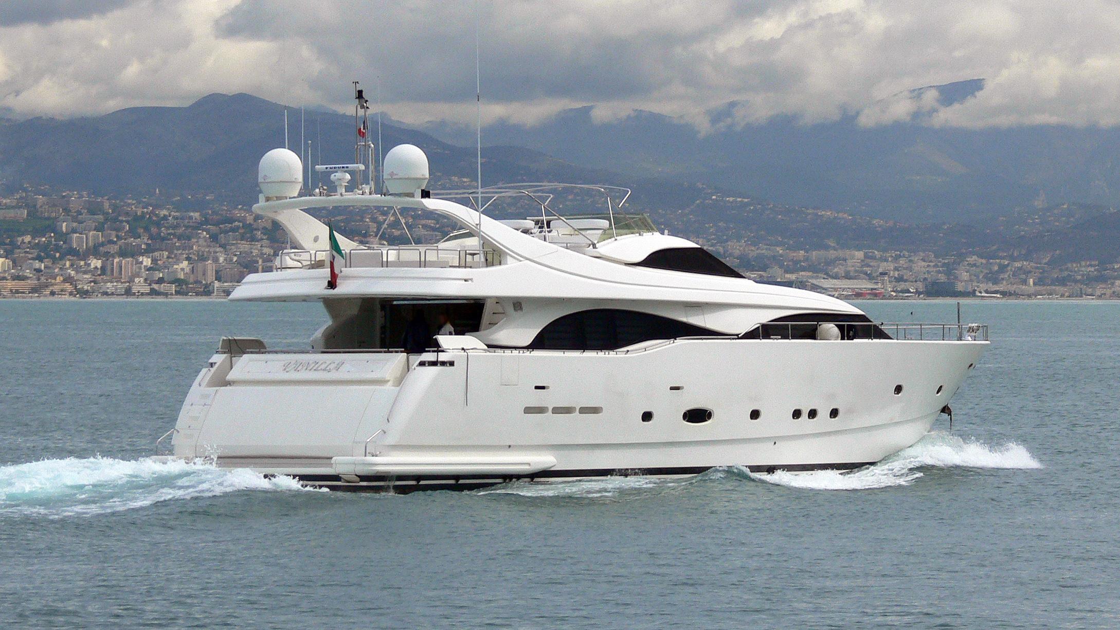 lady-vanilla-motor-yacht-ferretti-custom-line-94-2002-29m-cruising