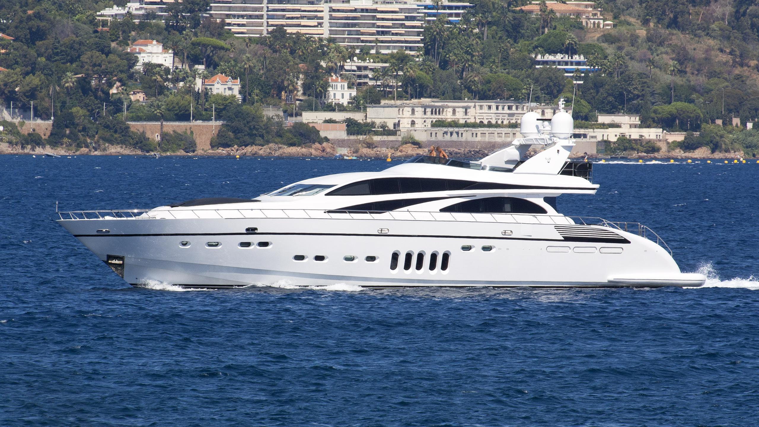 hideaway-motor-yacht-arno-leopard-32-sport-2007-32m-cruising