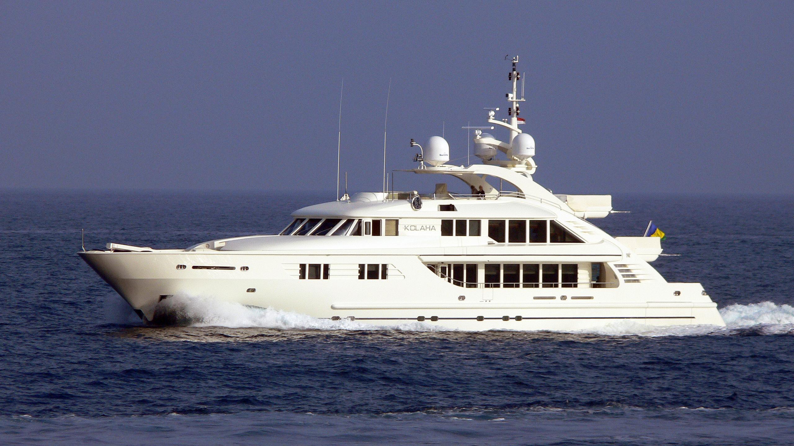 rola-motor-yacht-isa-470-2005-47m-cruising