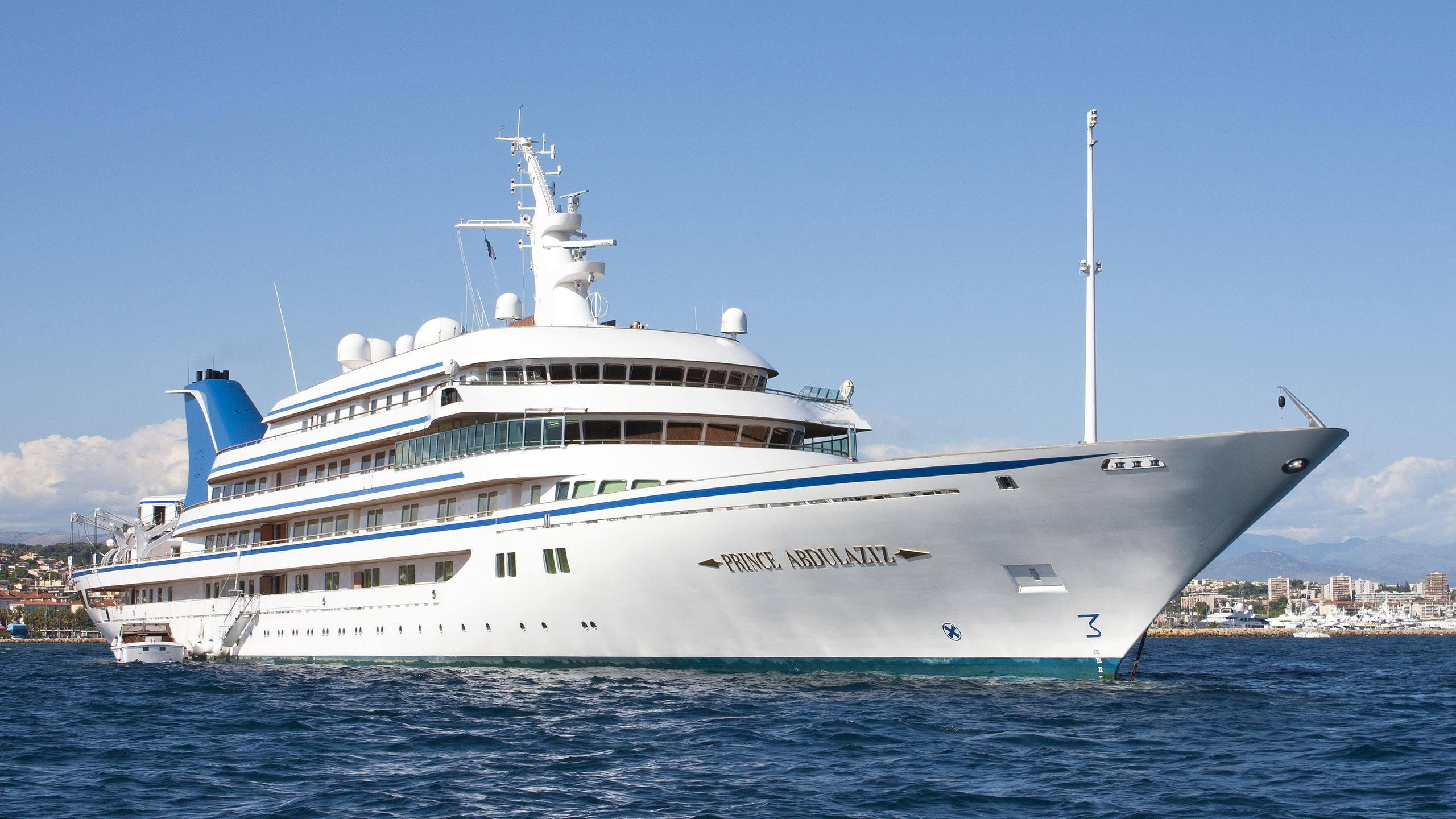 princeabdulaziz-motor-yacht-helsingor-vaerft-1984-147m-bow