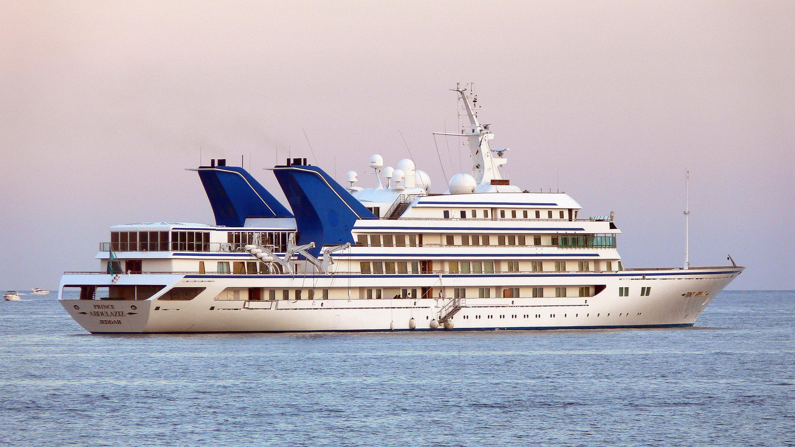 princeabdulaziz-motor-yacht-helsingor-vaerft-1984-147m-stern