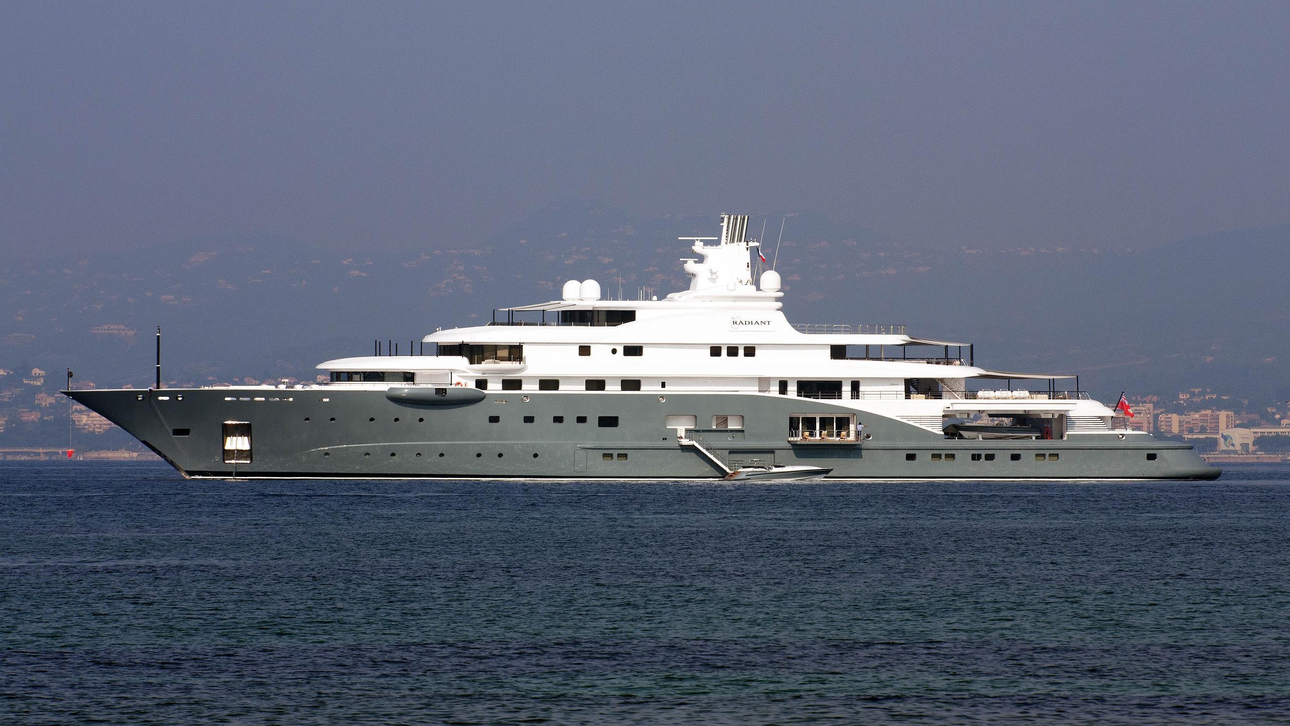 radiant-motor-yacht-lurssen-2009-110m-profile