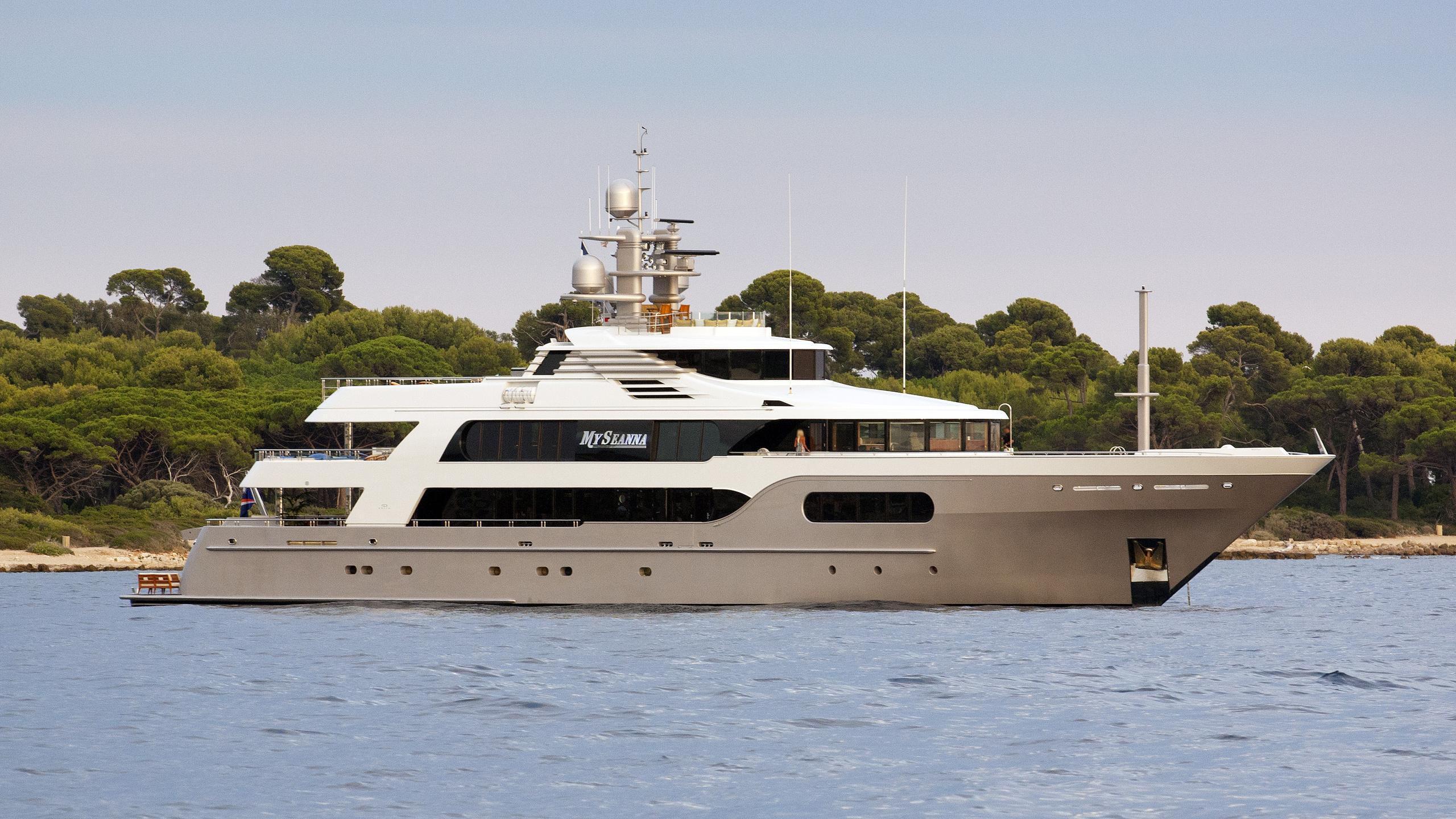 my-seanna-motor-yacht-delta-marine-2000-56m-after-refit