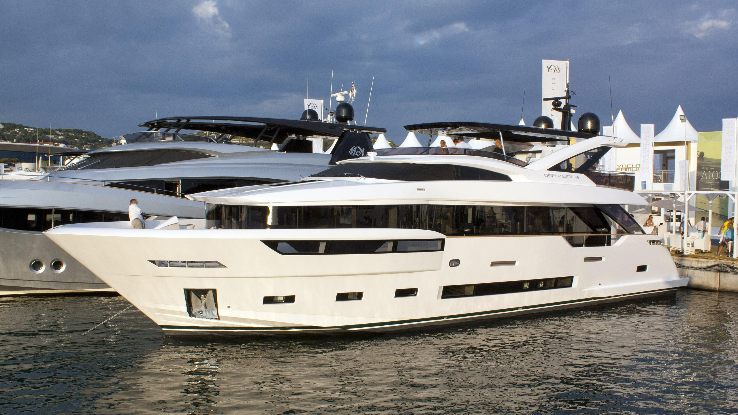 7 seconds motor yacht dl dreamline 2015 26m front profile