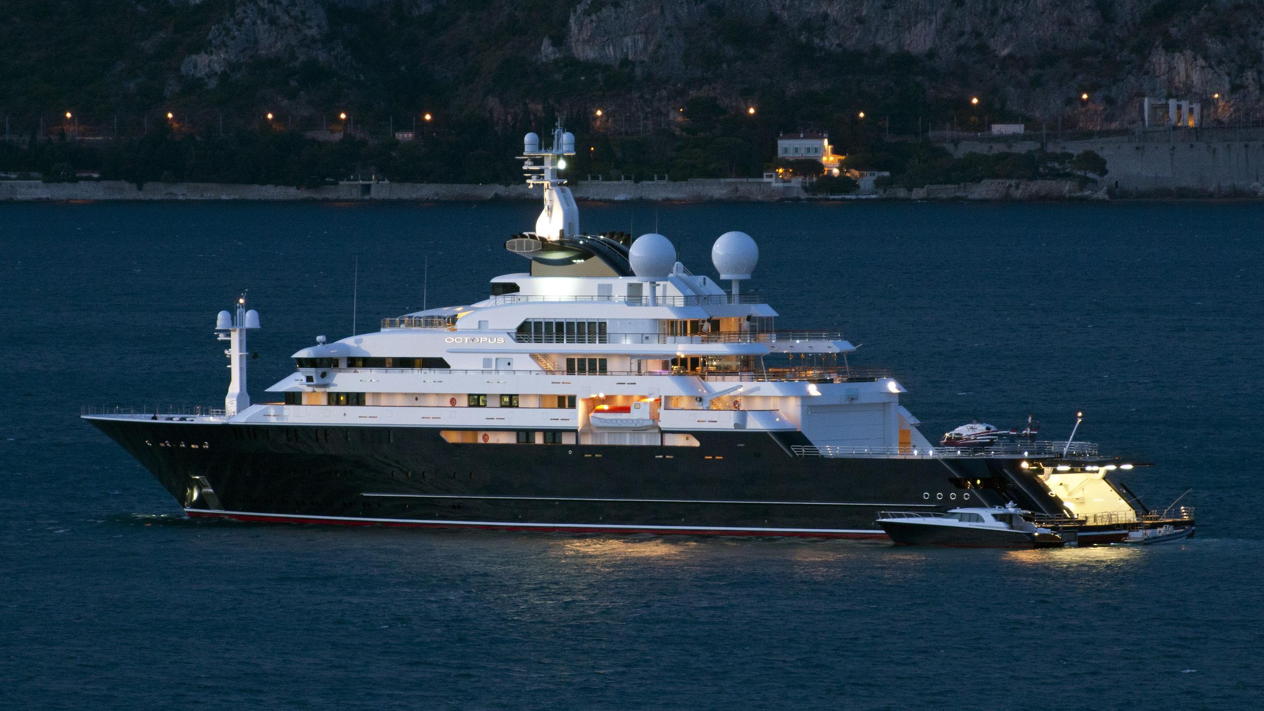 octopus-explorer-yacht-lurssen-2003-126m-profile-by-night