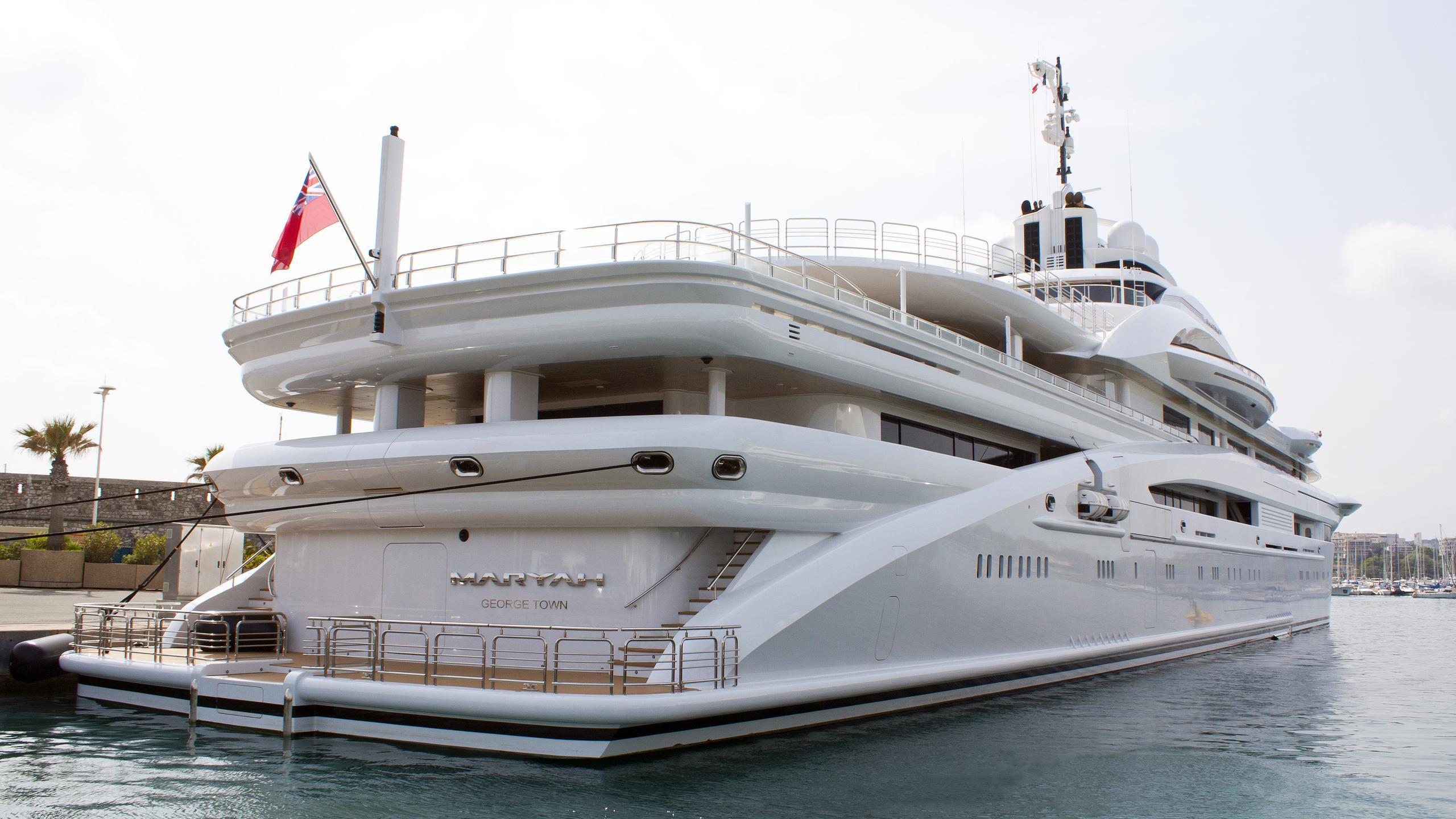 maryah-motor-yacht-elefsis-2014-125m-stern