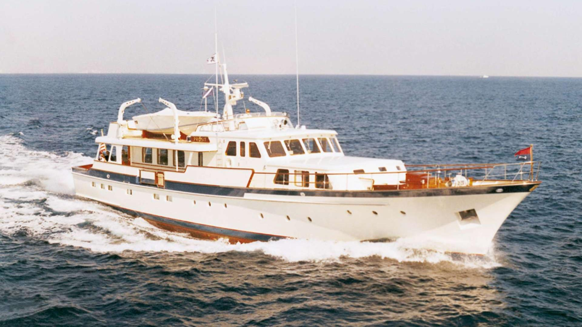 arcadia-intrepid-motor-yacht-feadship-1969-31m-cruising
