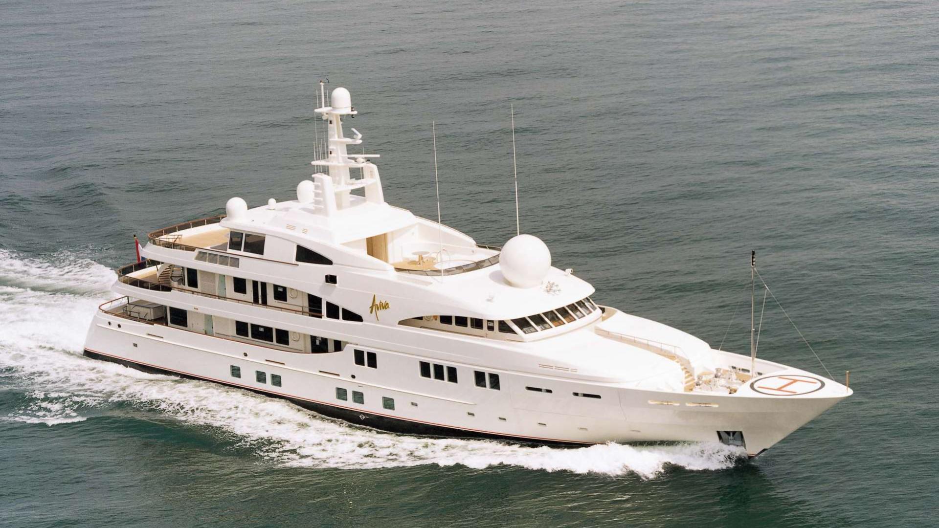 attessa-motor-yacht-feadship-1998-69m-cruising