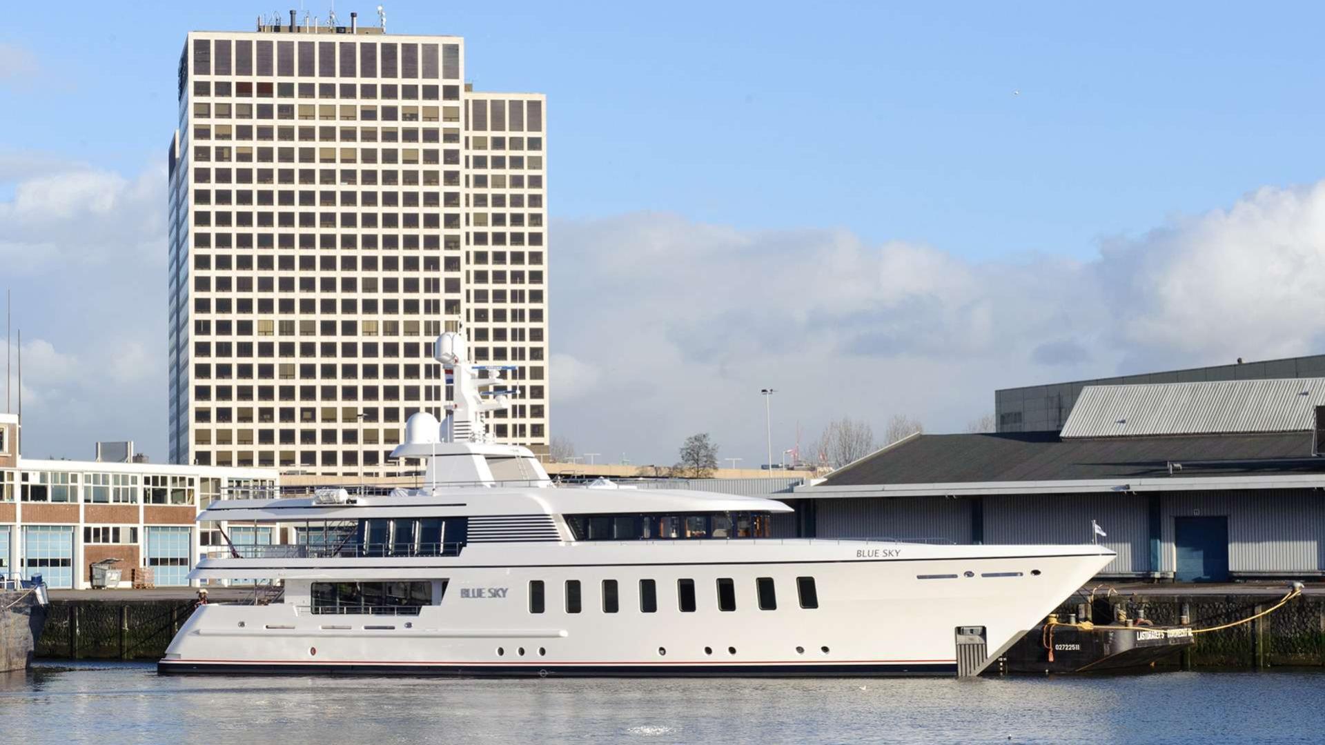 blue-sky-motor-yacht-feadship-f45-vantage-2013-45m-profile