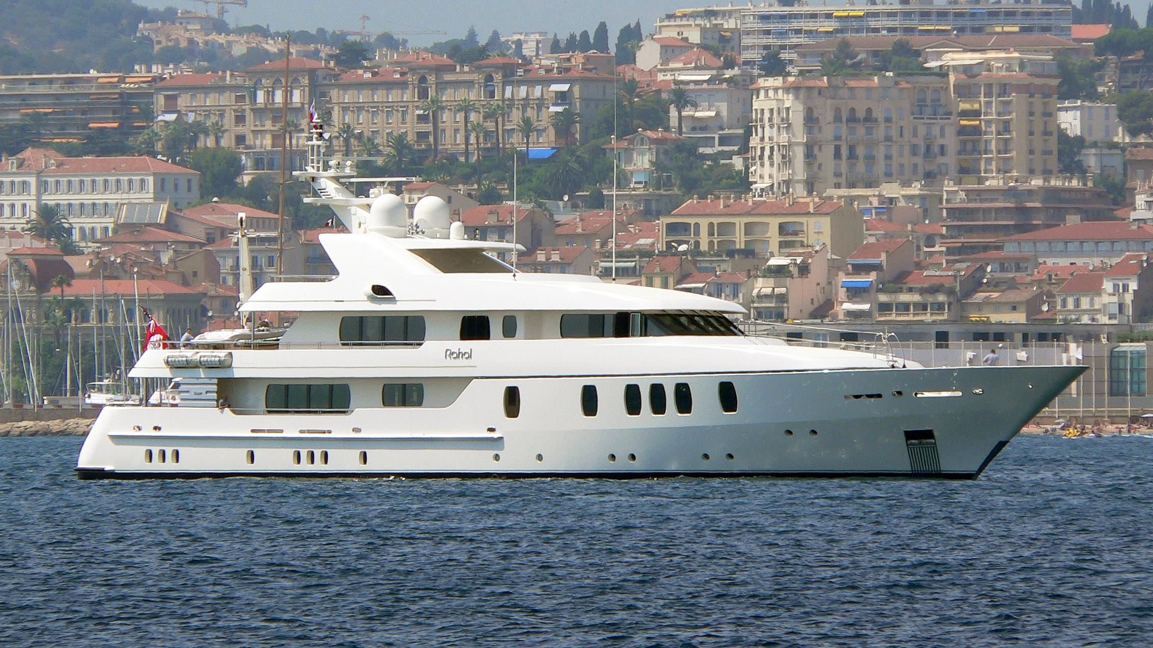 rahal-motor-yacht-feadship-2003-47m-profile