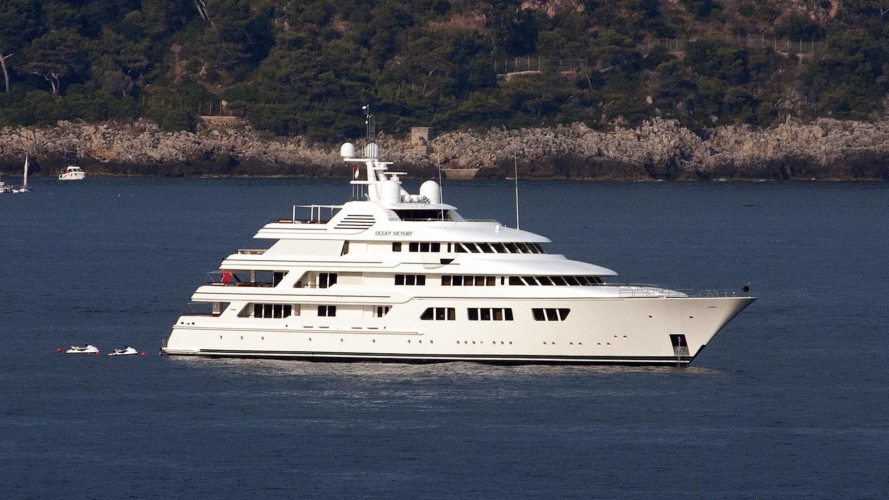 ebony-shine-motor-yacht-feadship-2009-76m-profile