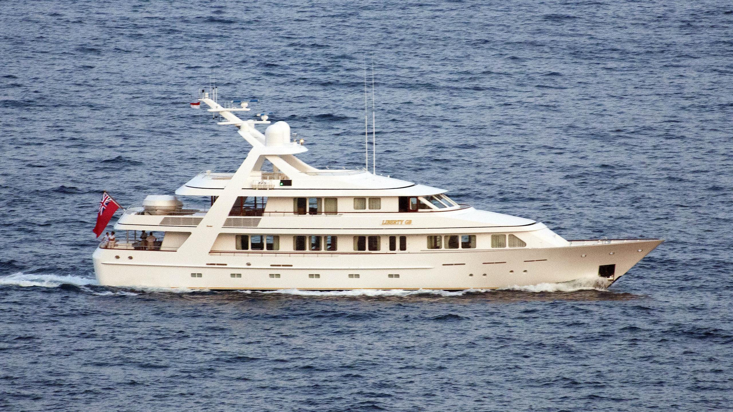 corinthian-motor-yacht-feadship-1997-39m-cruising