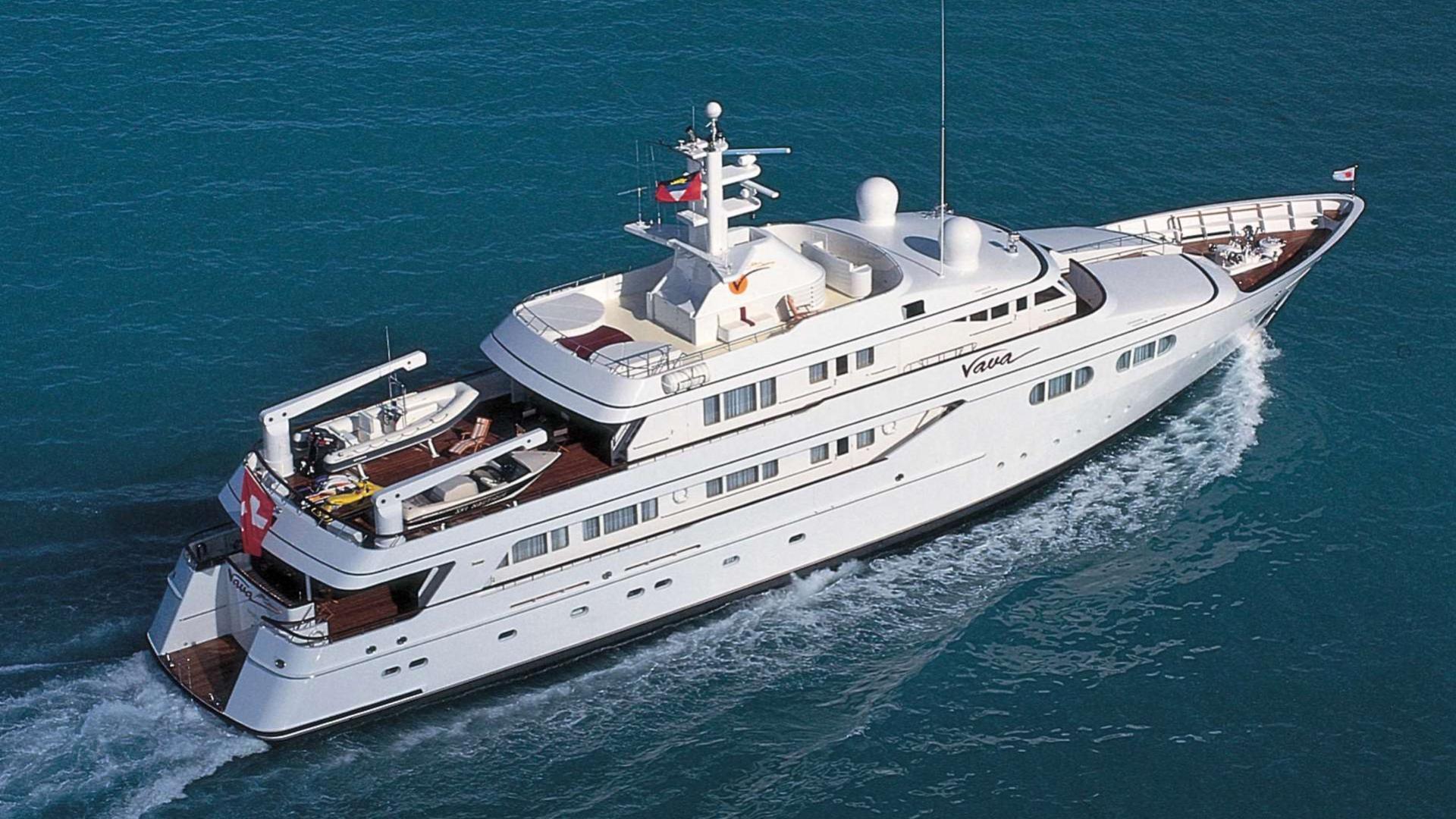 vava-motor-yacht-feadship-1996-47m-aerial