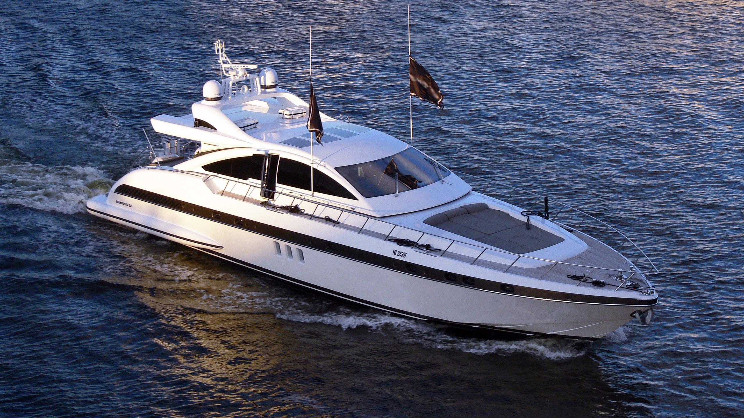 mangusta-80-68-motor-yacht-overmarine-2007-25m-cruising