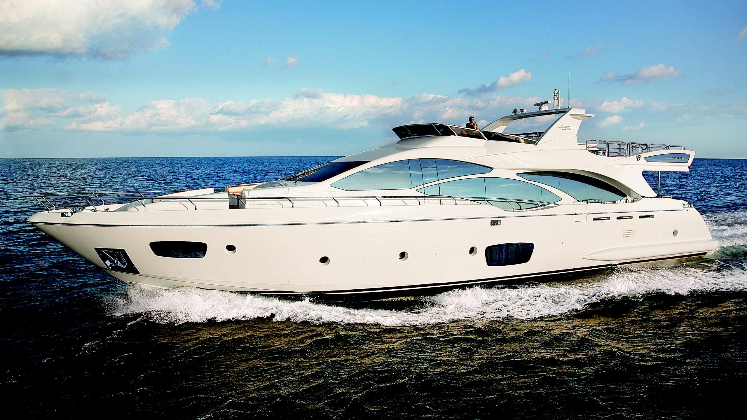 azimut-95-motor-yacht-2012-30m-profile