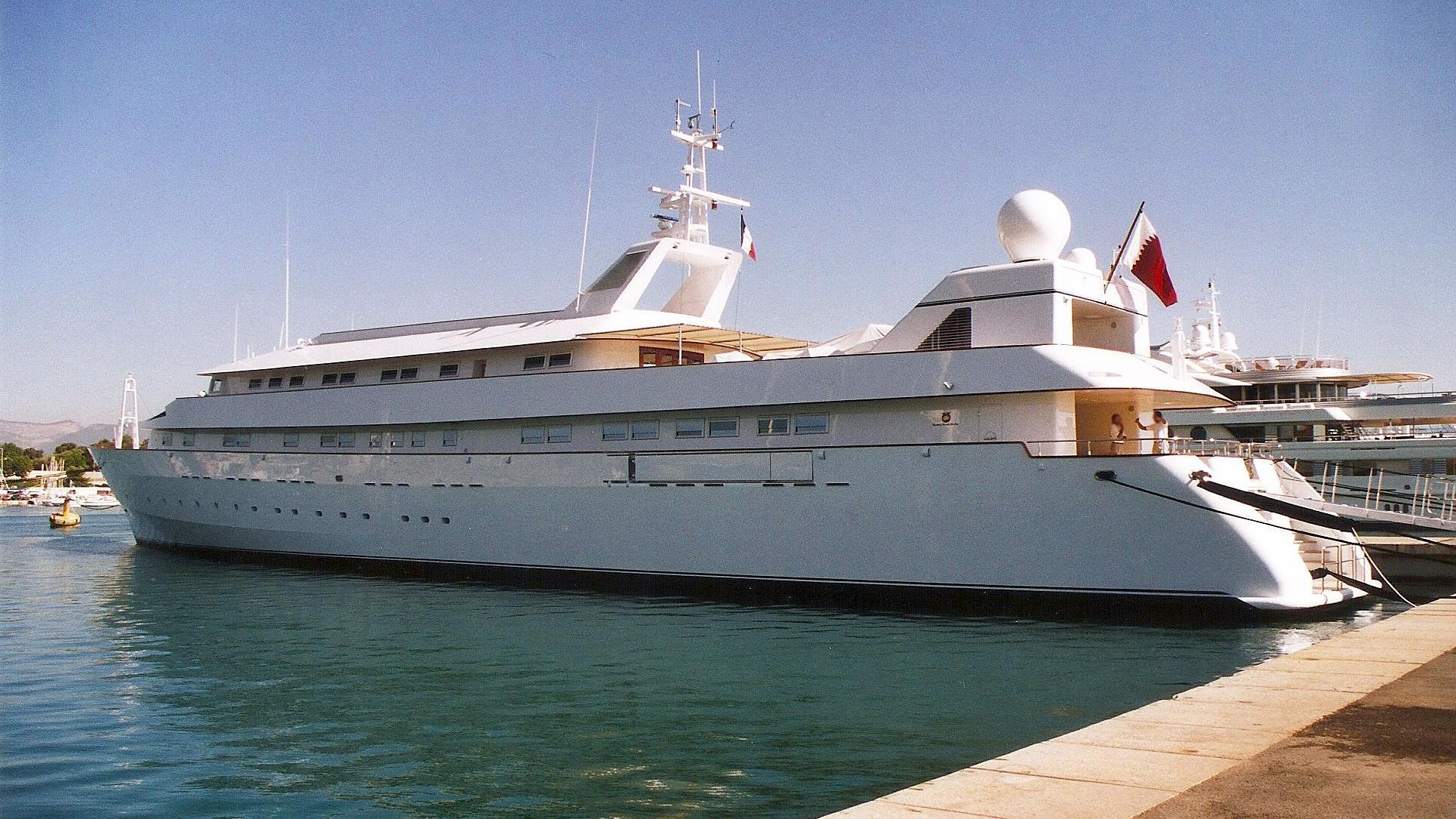 yaakun-motor-yacht-nicolini-1987-65m-profile