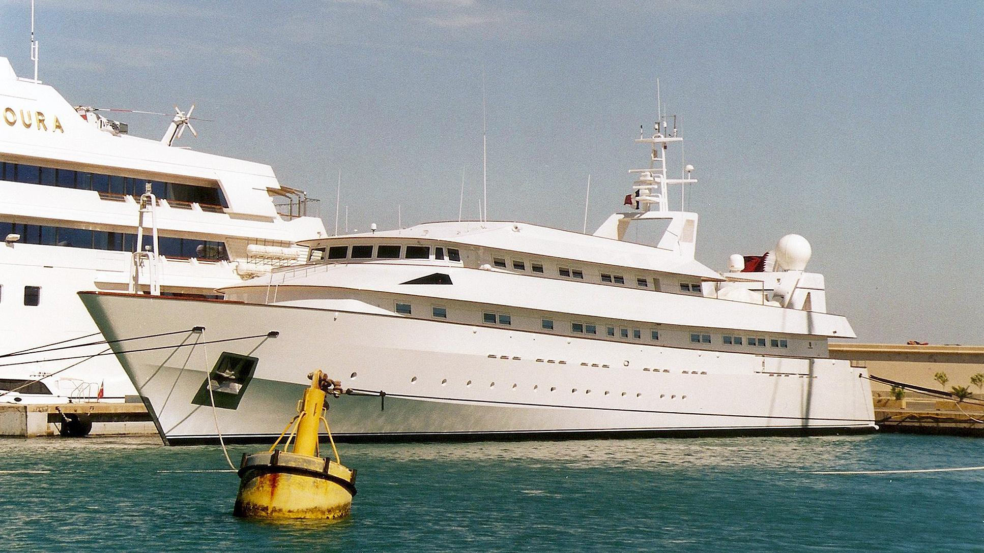 yaakun-motor-yacht-nicolini-1987-65m-half-profile