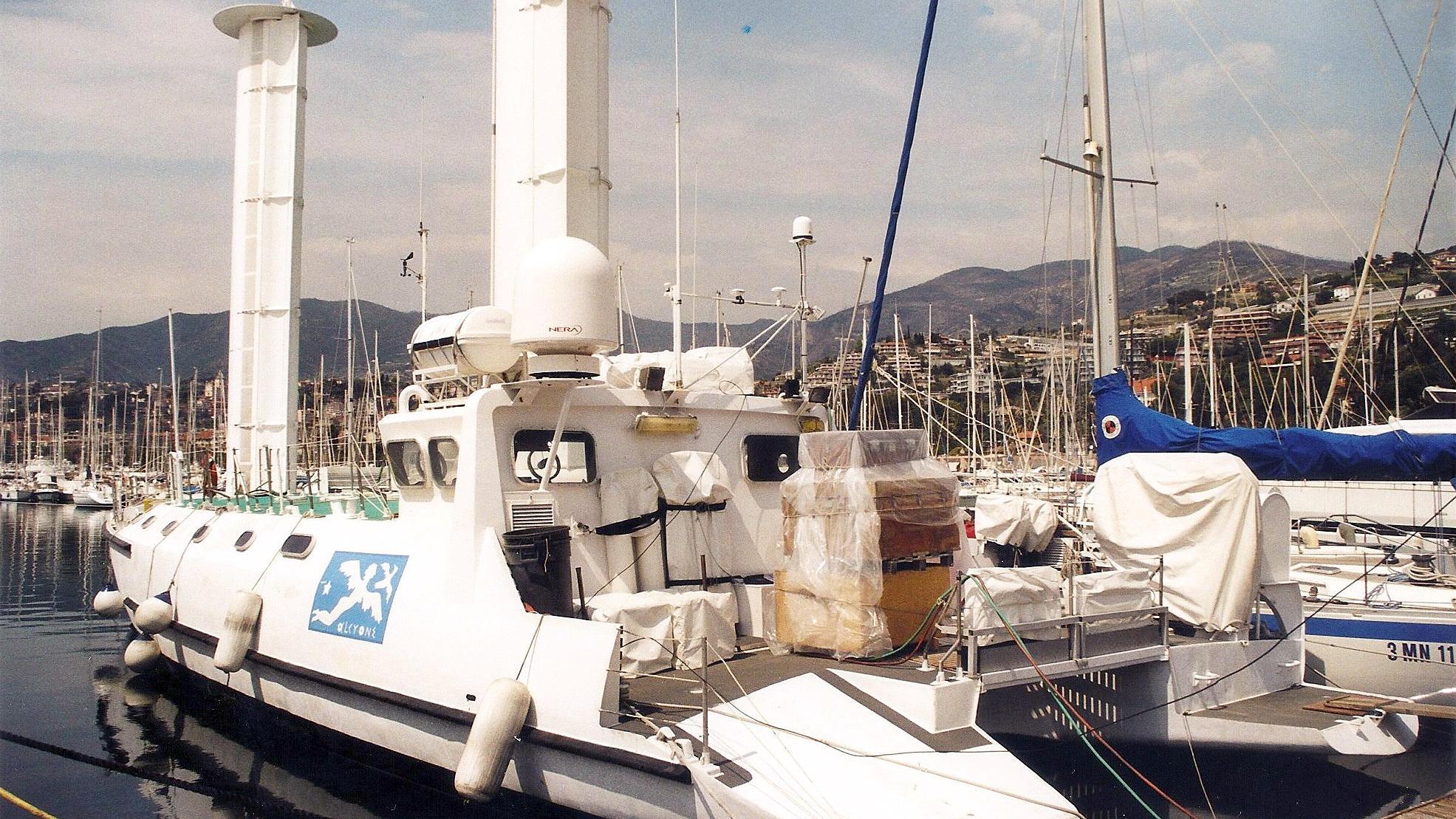 alcyone-motor-yacht-rochelle-pallice-1985-31m-stern