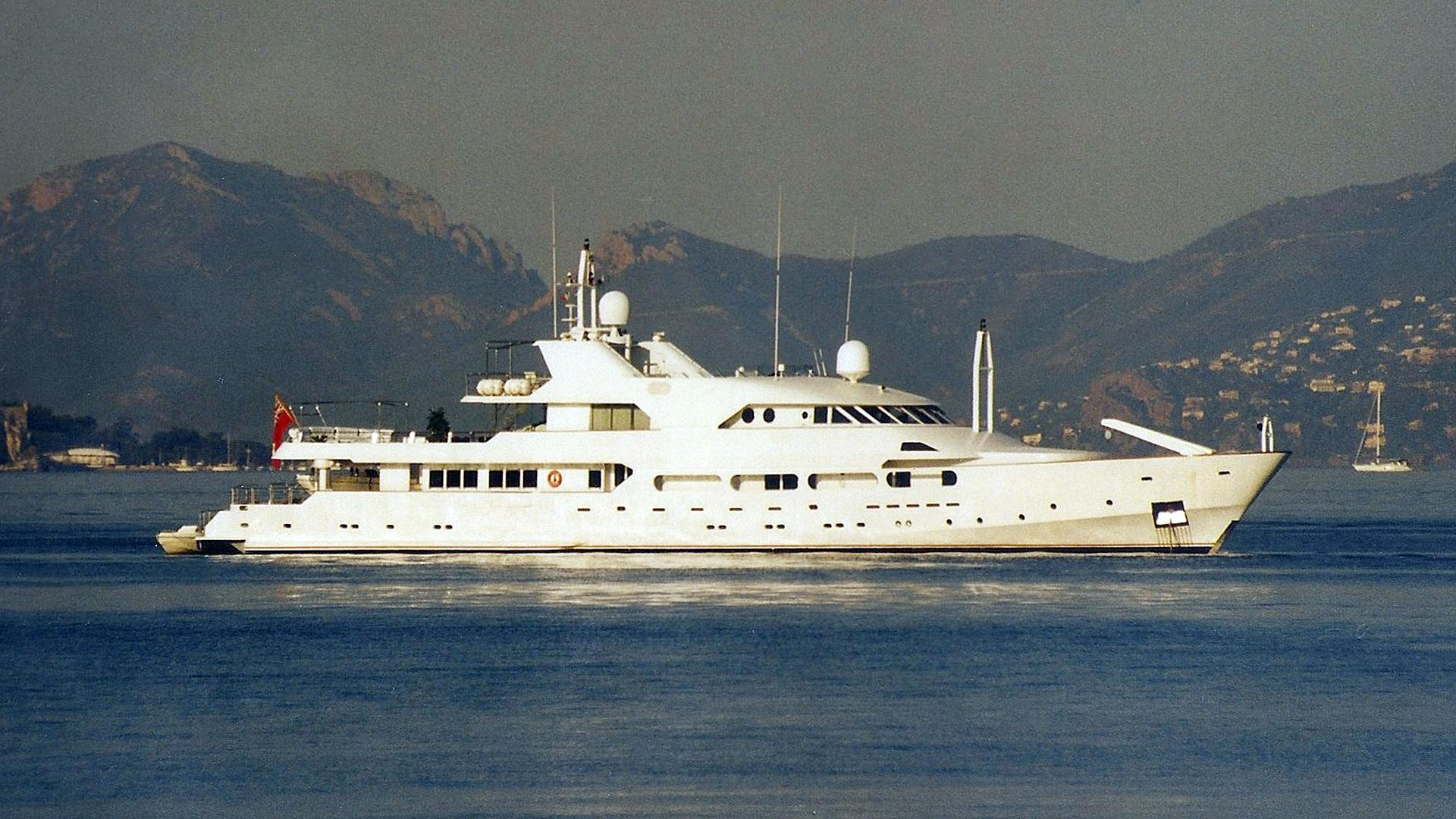 achilles-motor-yacht-crn-1984-55m-profile