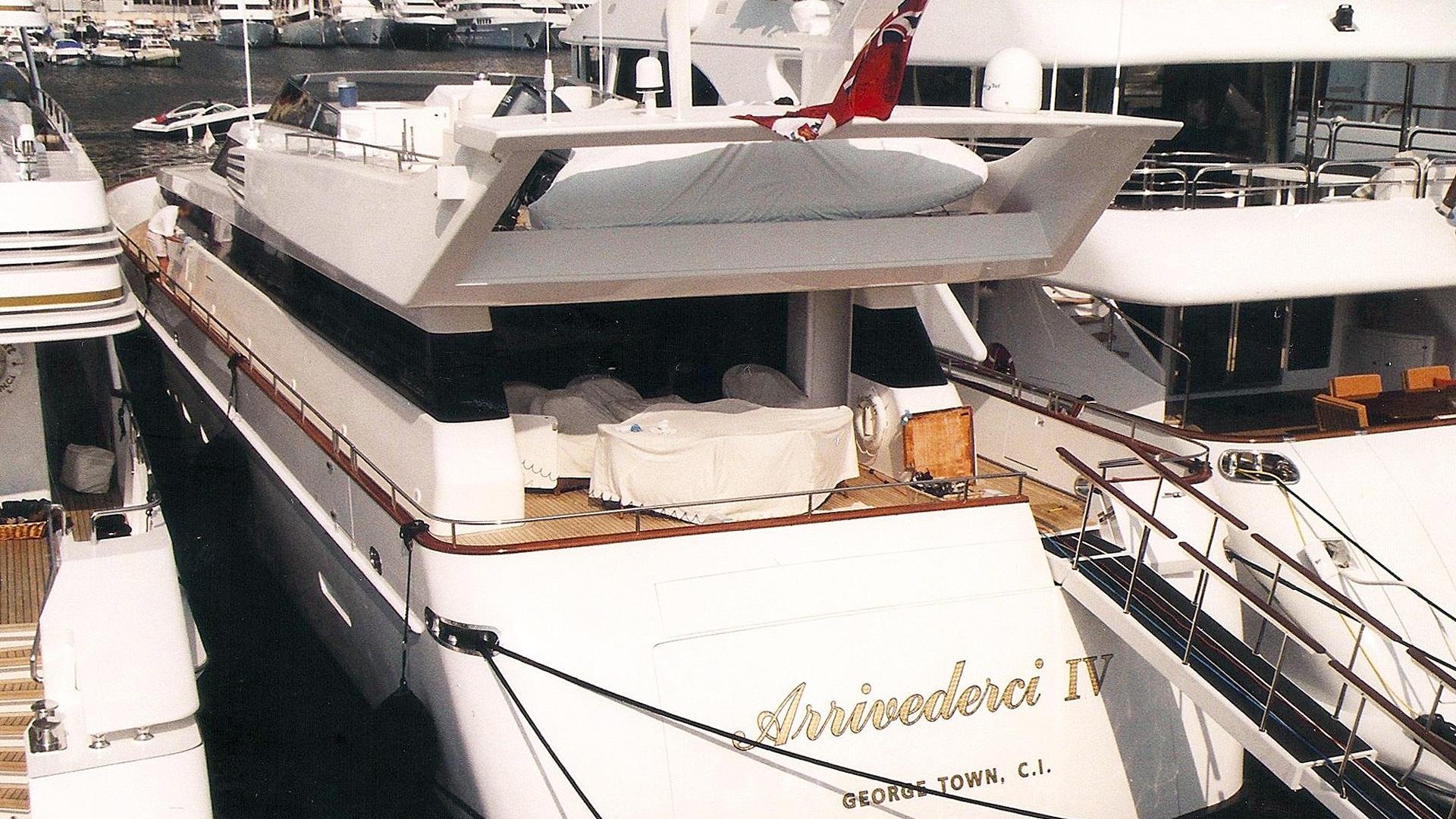 arrivederci-iv-motor-yacht-cantieri-di-pisa-akhir-34s-1998-34m-stern