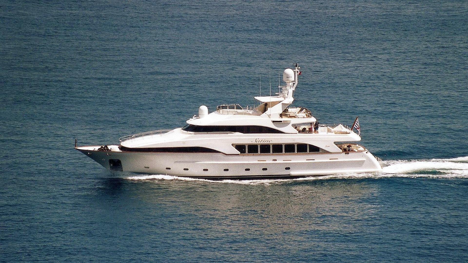 satine-motor-yacht-benetti-classic-115-2001-35m-cruising