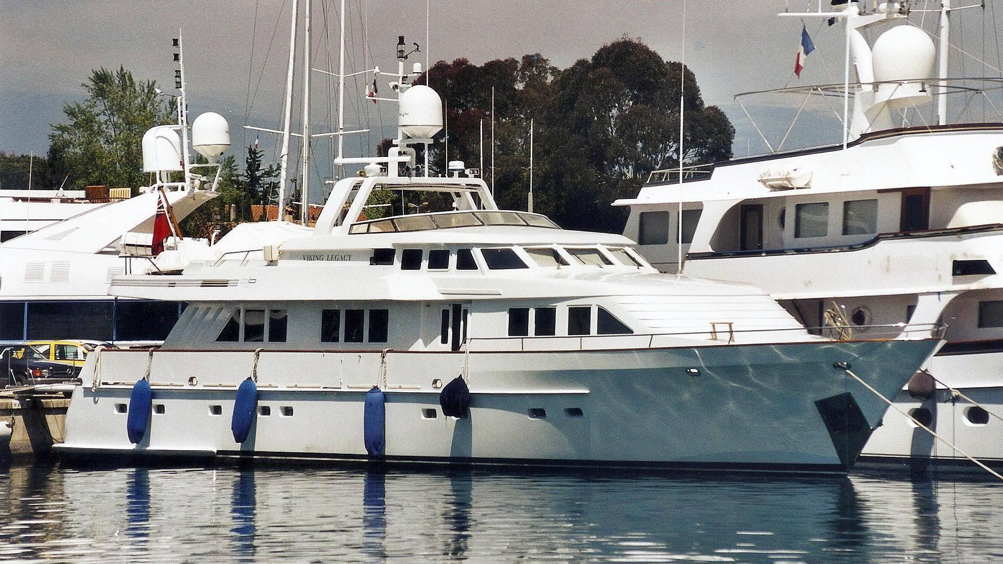 sea-raes-viking-legacy-motor-yacht-farocean-1997-29m-berth