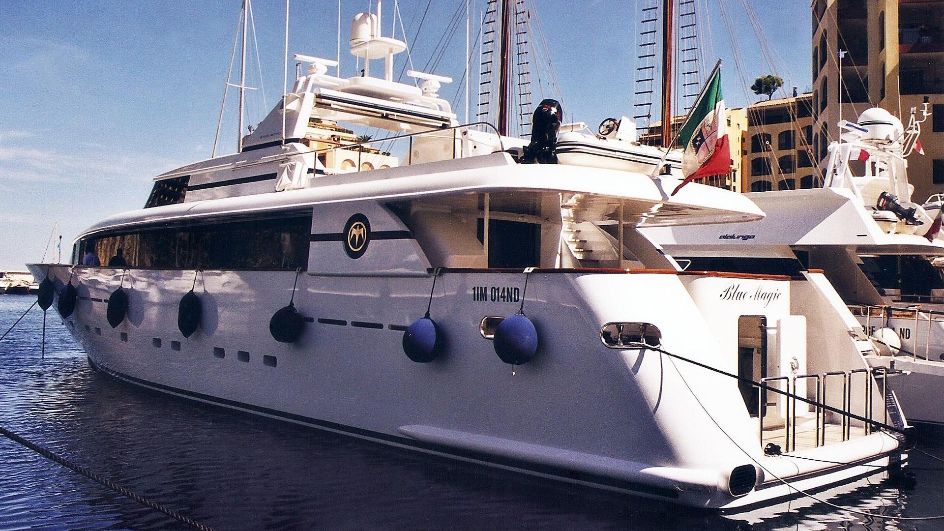 blue-magic-motor-yacht-baglietto-2001-32m-stern