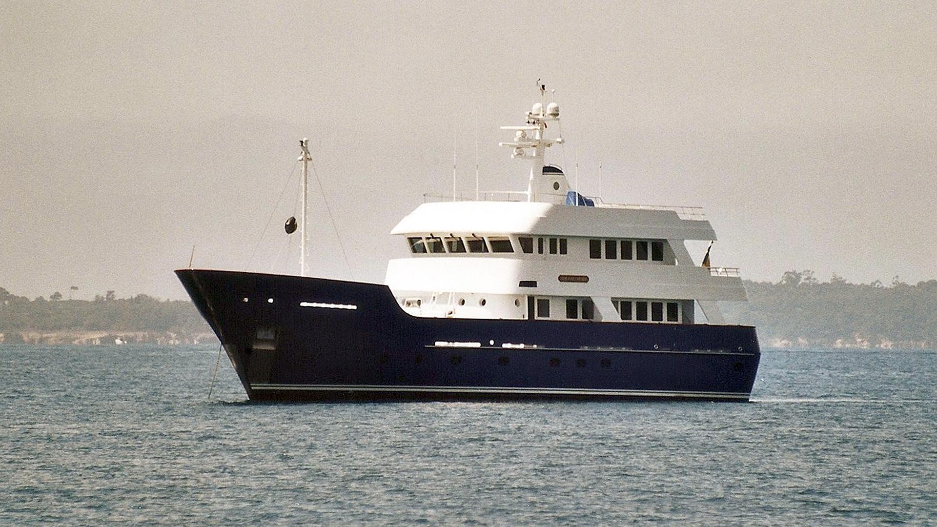 newcastle-explorer-yacht-marine-2001-31m-half-profile