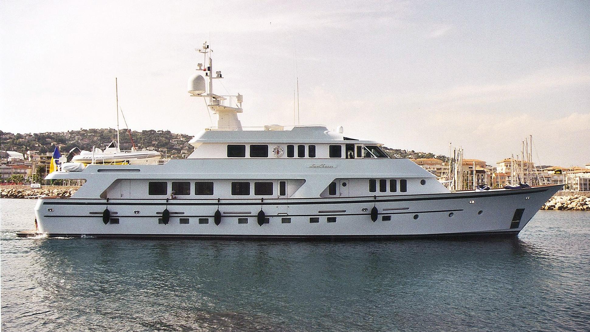 sun-chaser-motor-yacht-christensen-1991-38m-profile