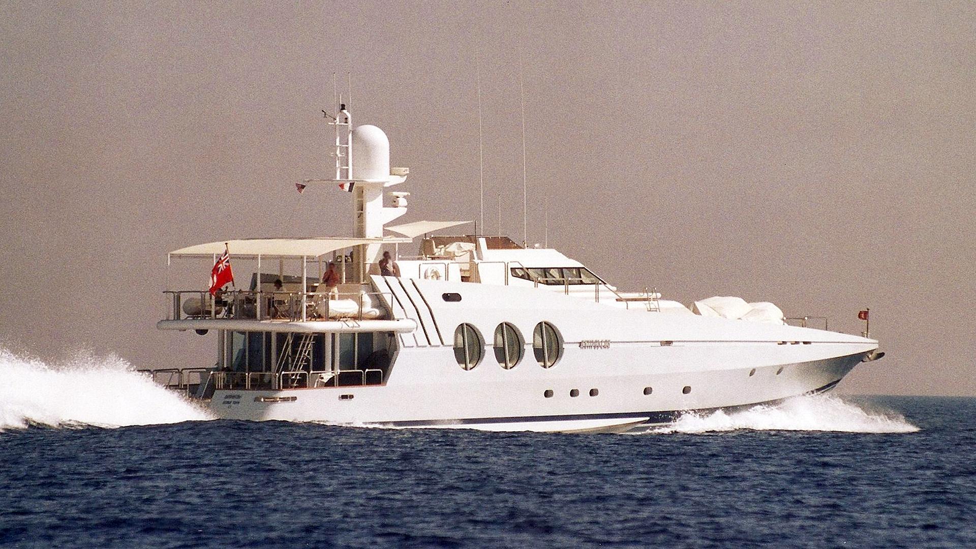 antipodean-motor-yacht-oceanfast-1987-36m-cruising