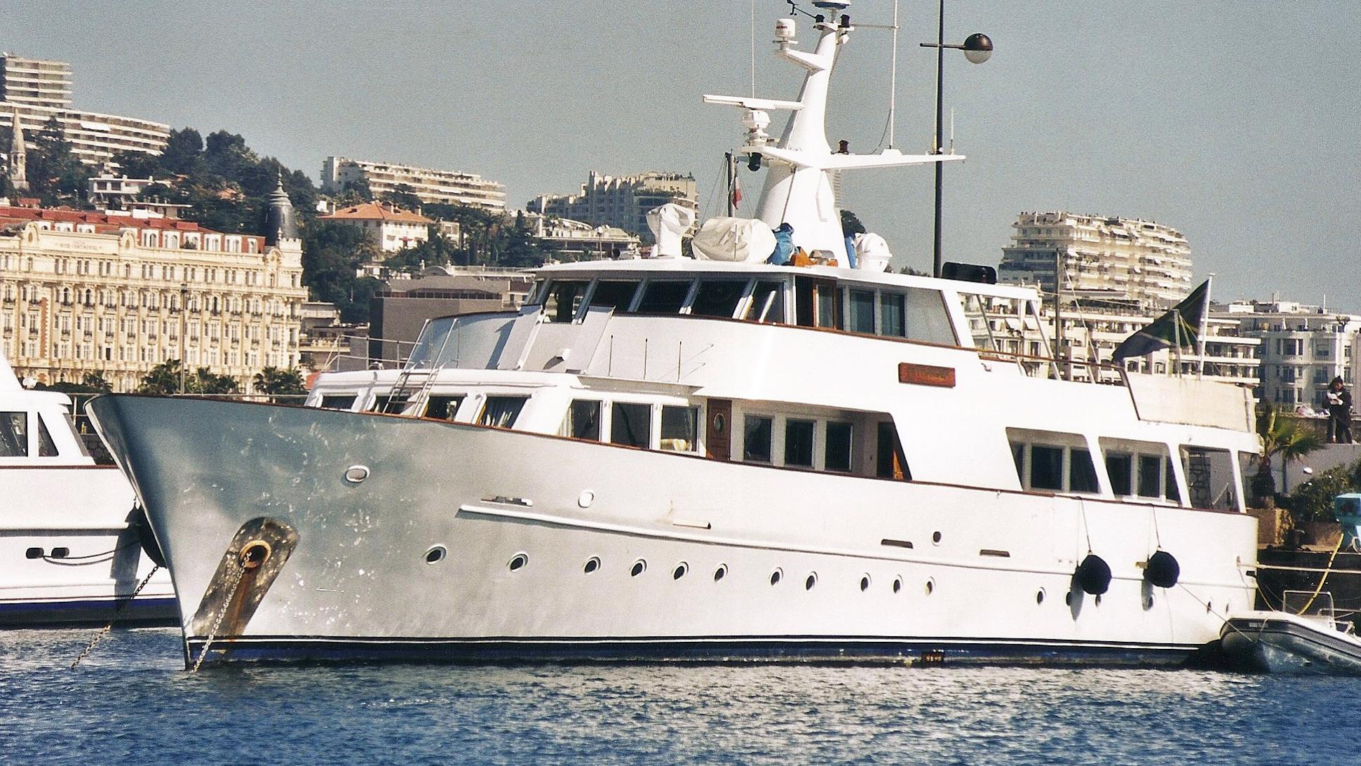 jackie-o-kiara-motor-yacht-secni-1967-33m-half-profile