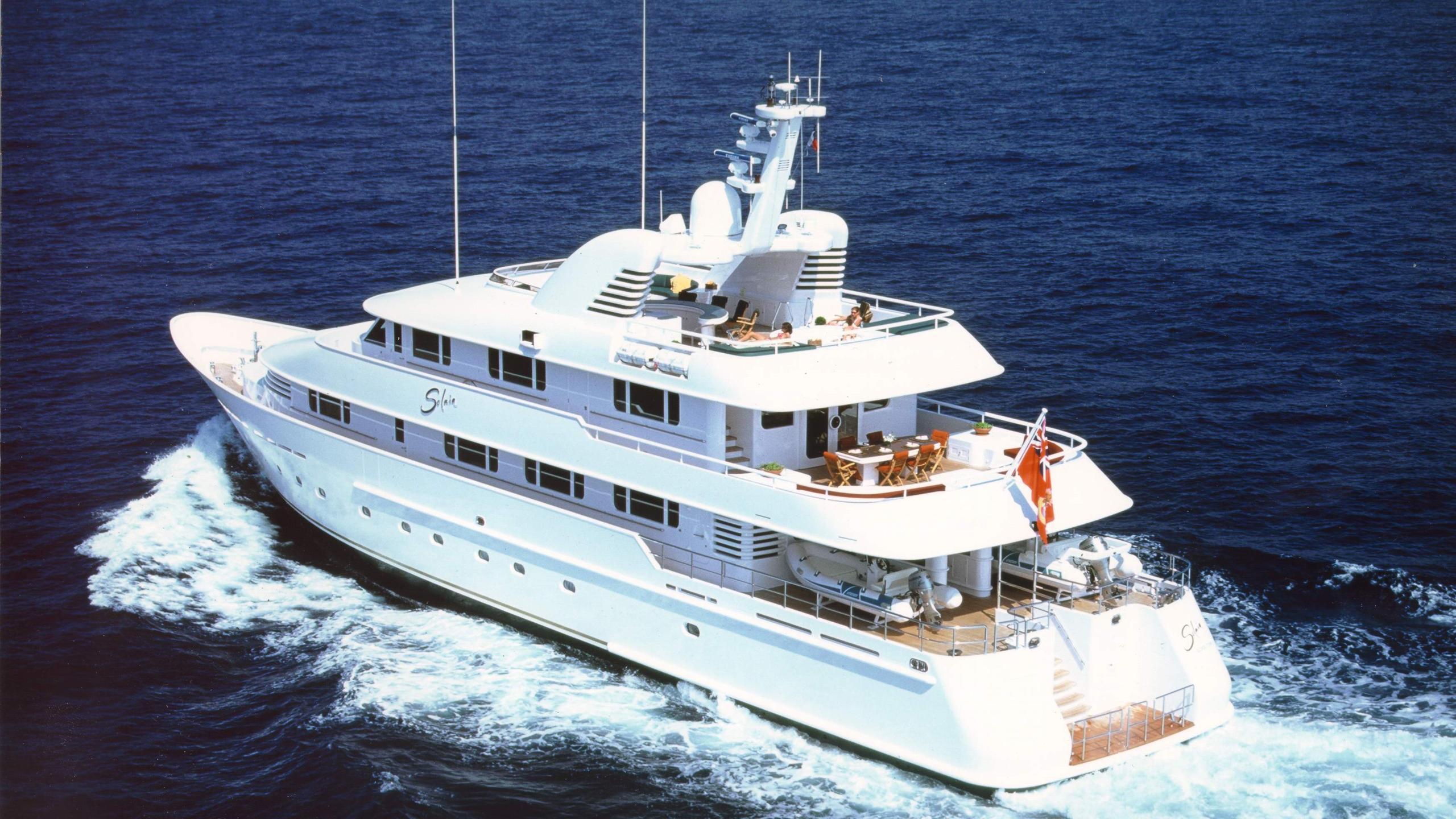 solaia-motor-yacht-hakvoort-2001-40m-cruising