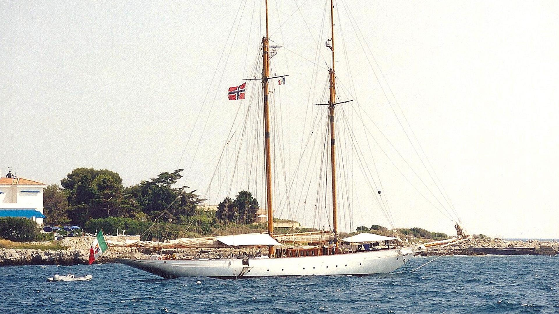 orion-sailing-yacht-camper-ncholsons-1910-45m-profile