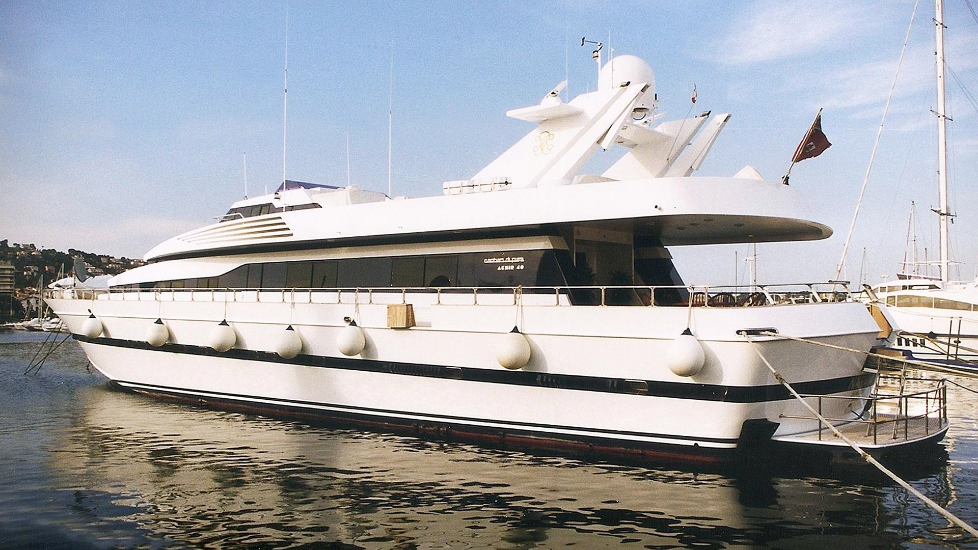 whispers-motor-yacht-cantieri-di-pisa-akhir-40-1984-38m-stern-profile