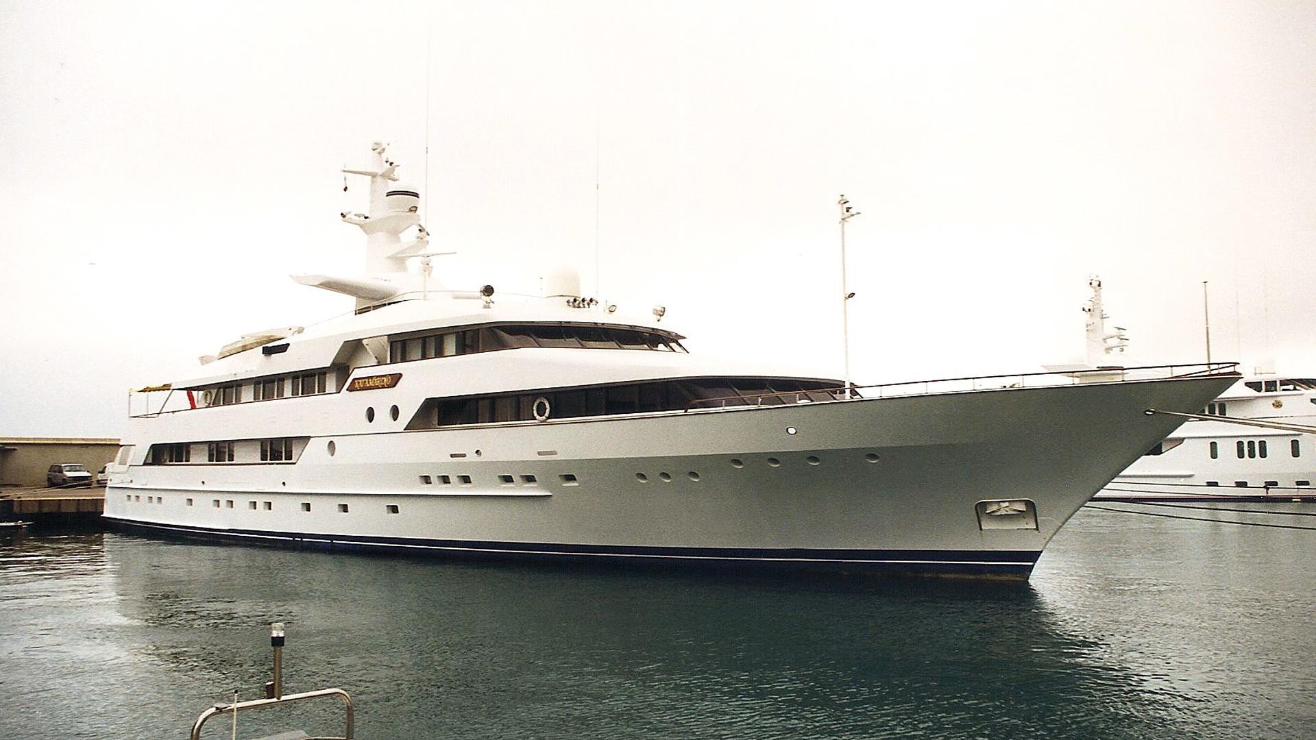 paris-i-motor-yacht-amels-1991-56m-half-profile