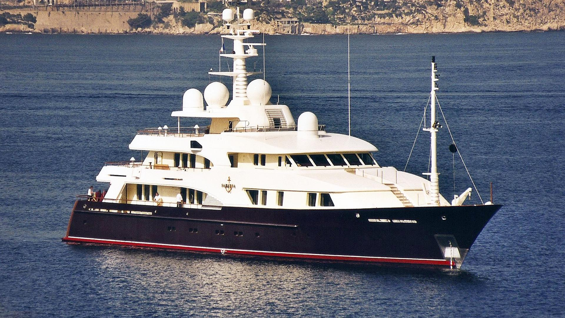 faribana-v-motor-yacht-amels-1998-54m-before-refit